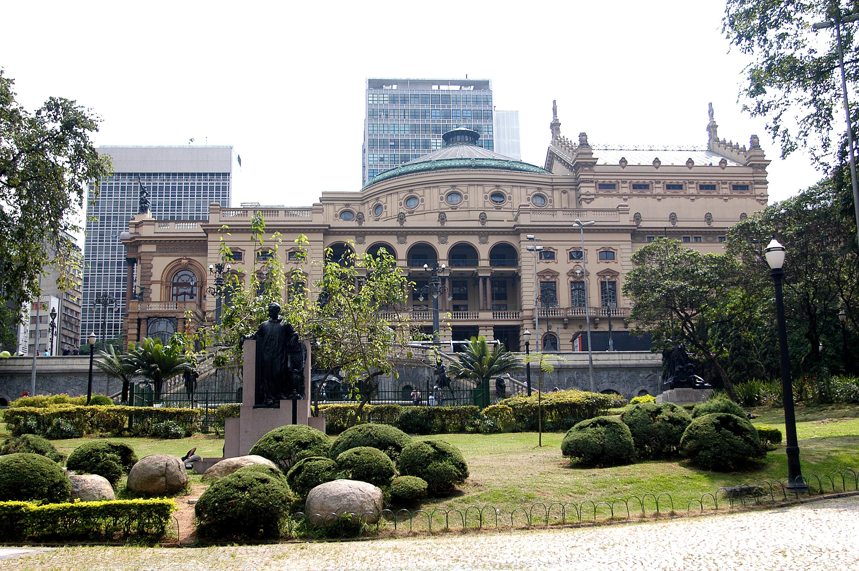 Fotos gratis arquitectura palacio centro de la ciudad for Instituto ciudad jardin