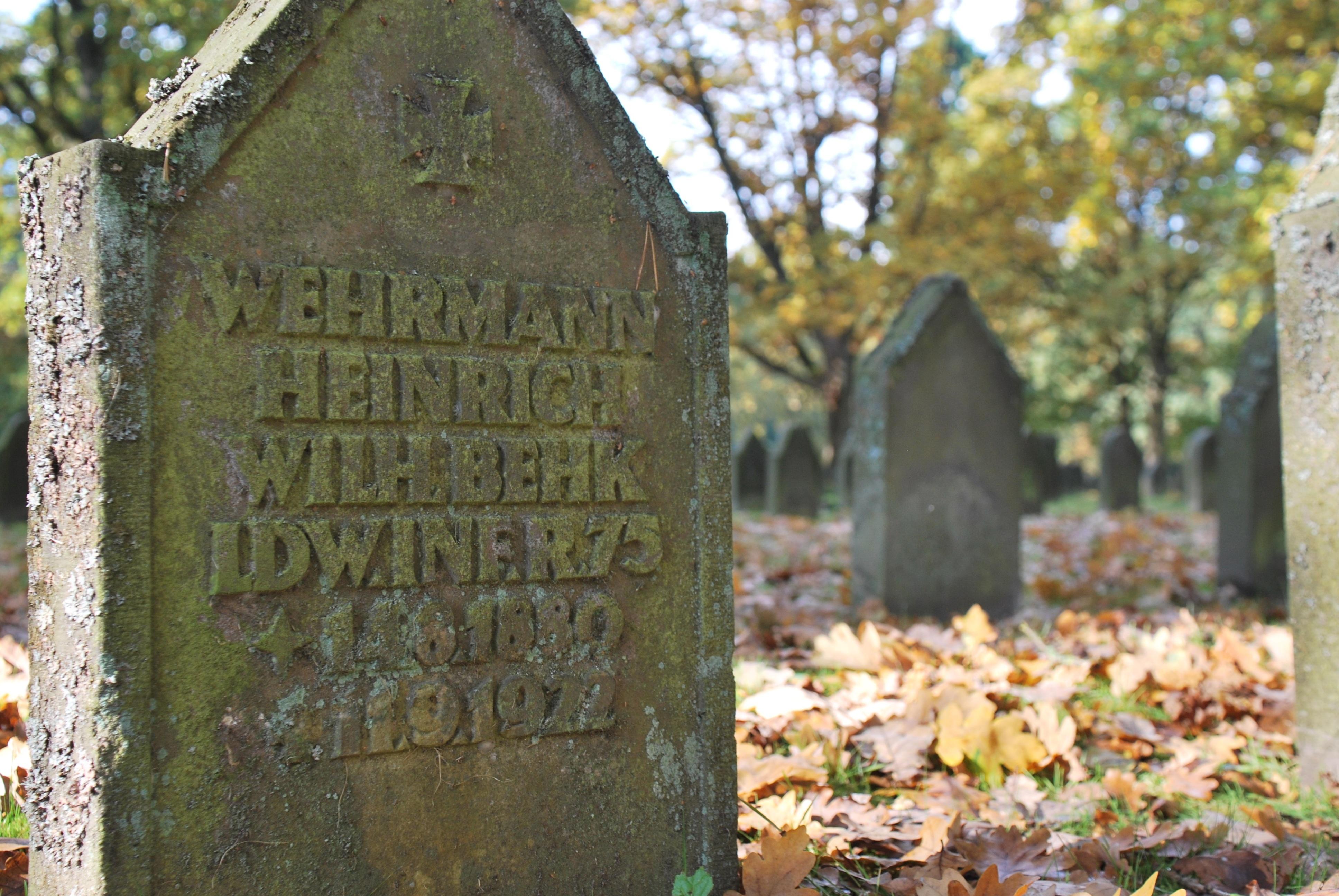 Free Images : architecture, monument, autumn, cemetery, memorial ...