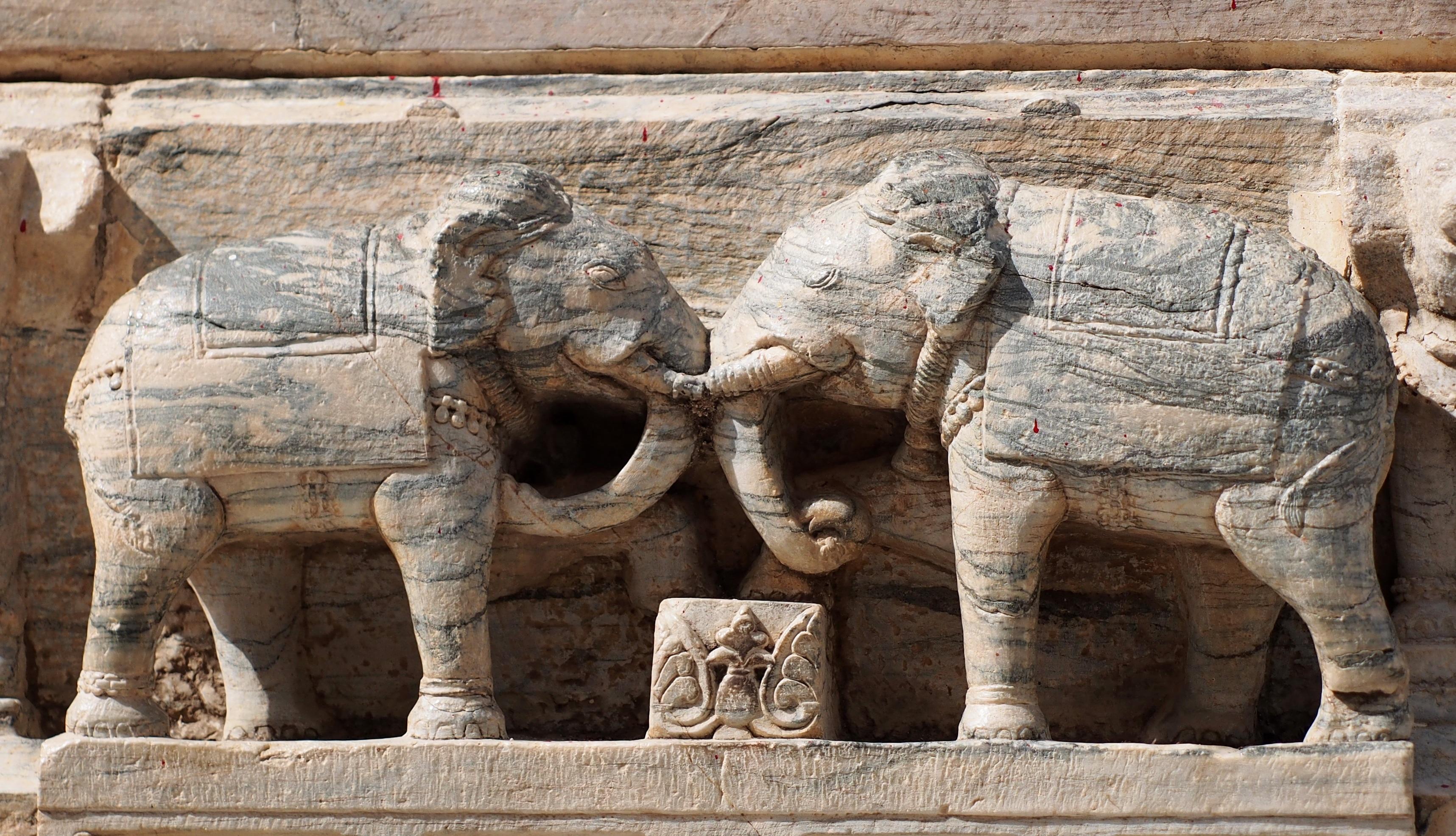 Elephants sculptures best elephant