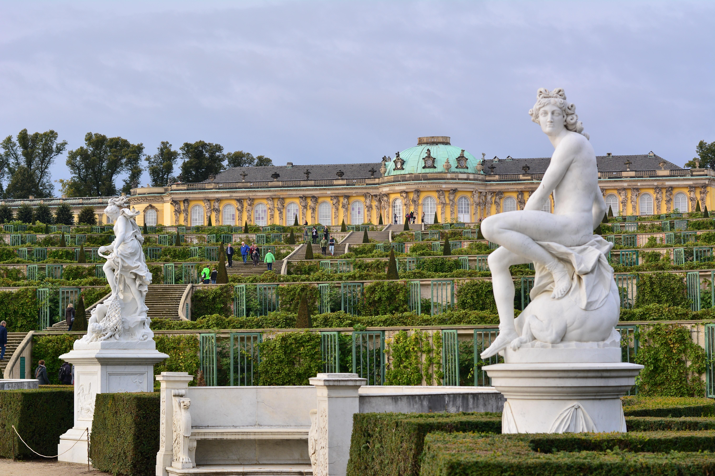 Fotos gratis arquitectura palacio monumento europa for Cementerio jardin memorial