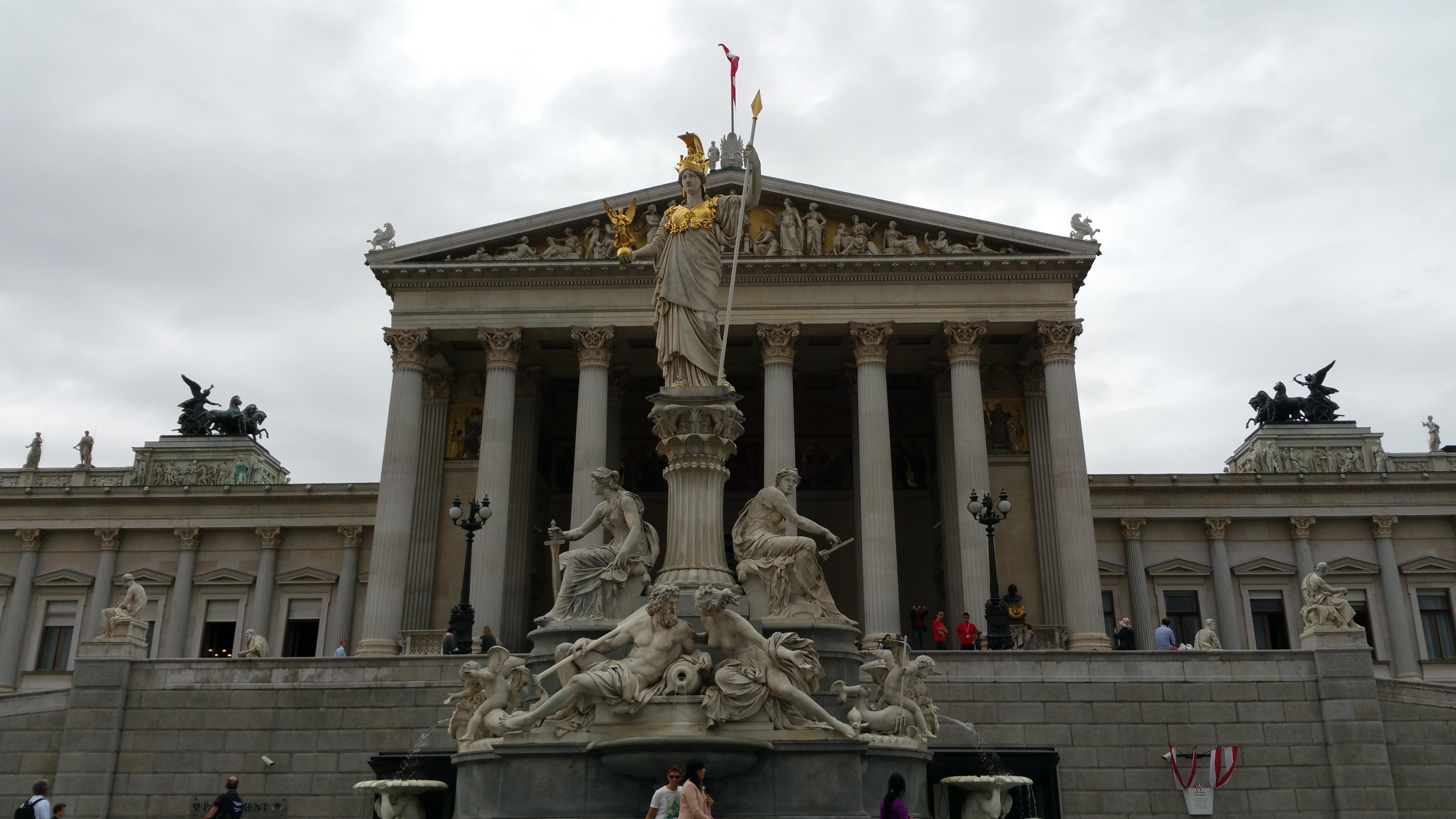 Fotos gratis arquitectura palacio monumento estatua for Roma parlamento