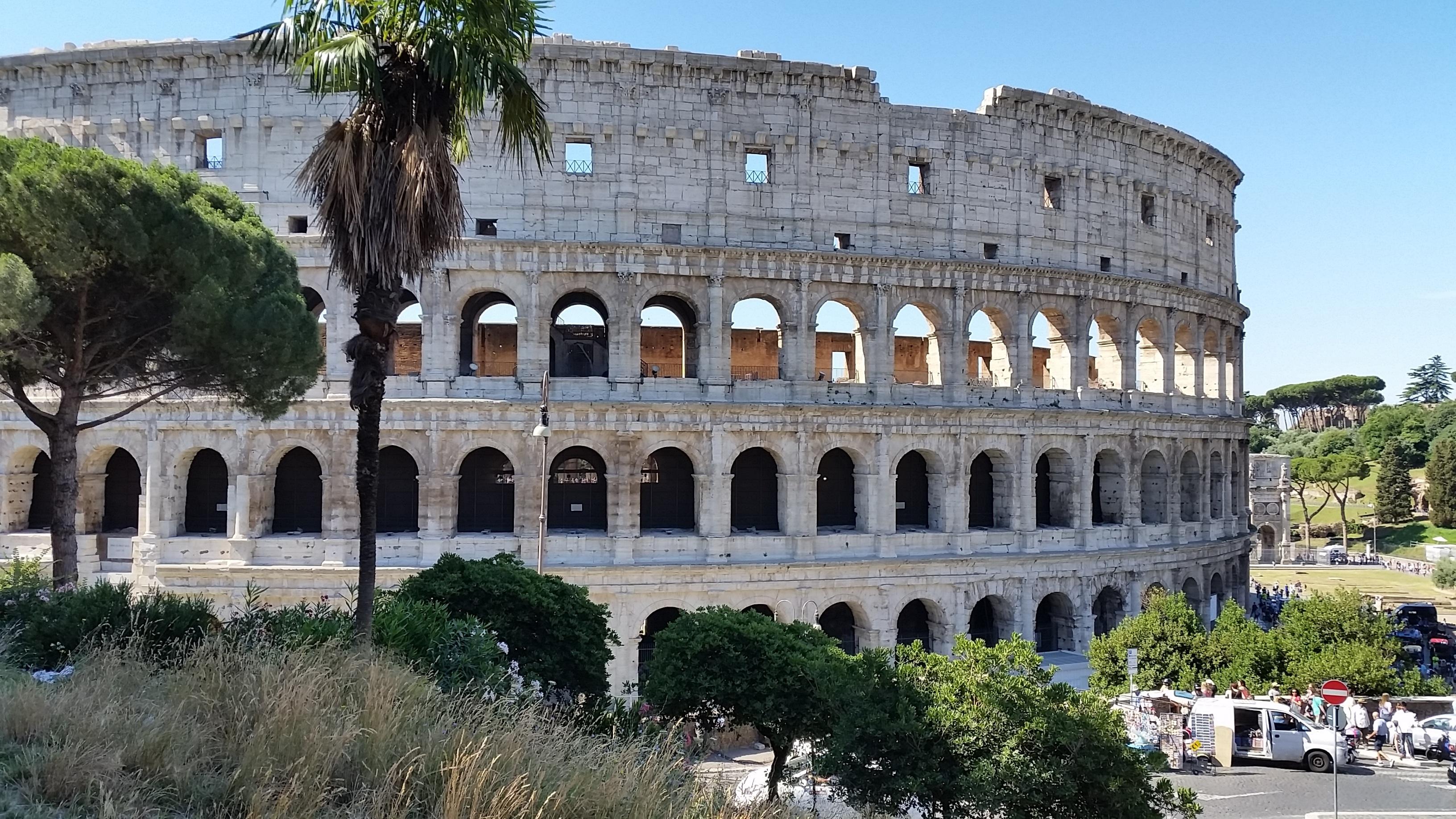 Immagini belle palazzo plaza antico punto di for Sito storico