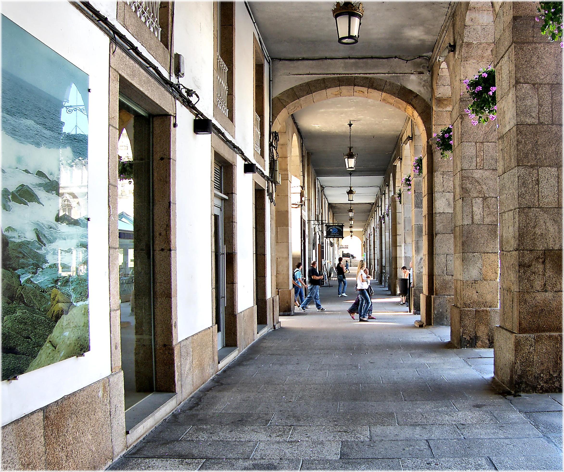 Fotos gratis arquitectura gente edificio ciudad - Arquitectura de interiores coruna ...
