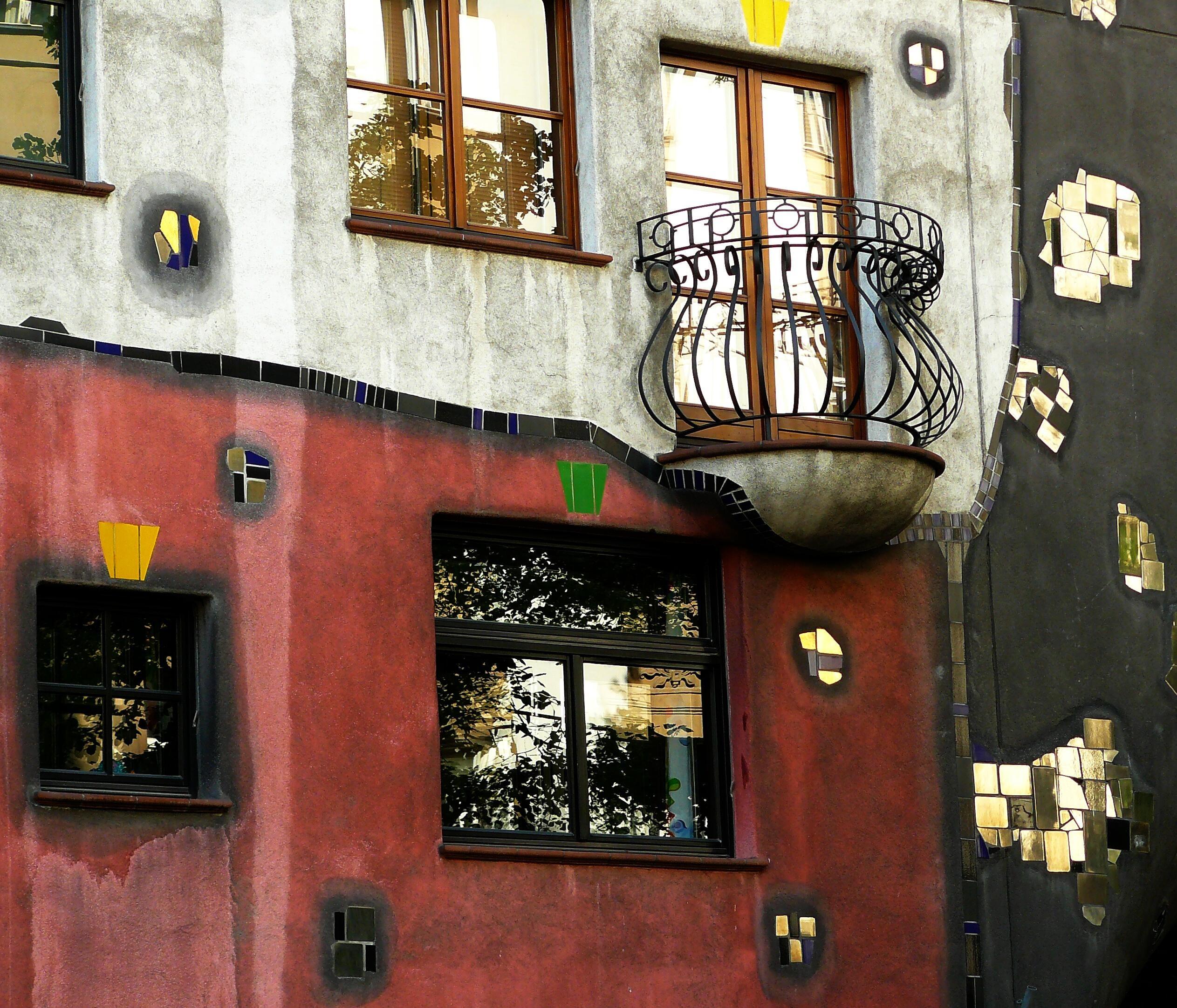 Images gratuites architecture route rue maison fen tre b timent restaurant mur balcon - Couleur mur interieur maison ...