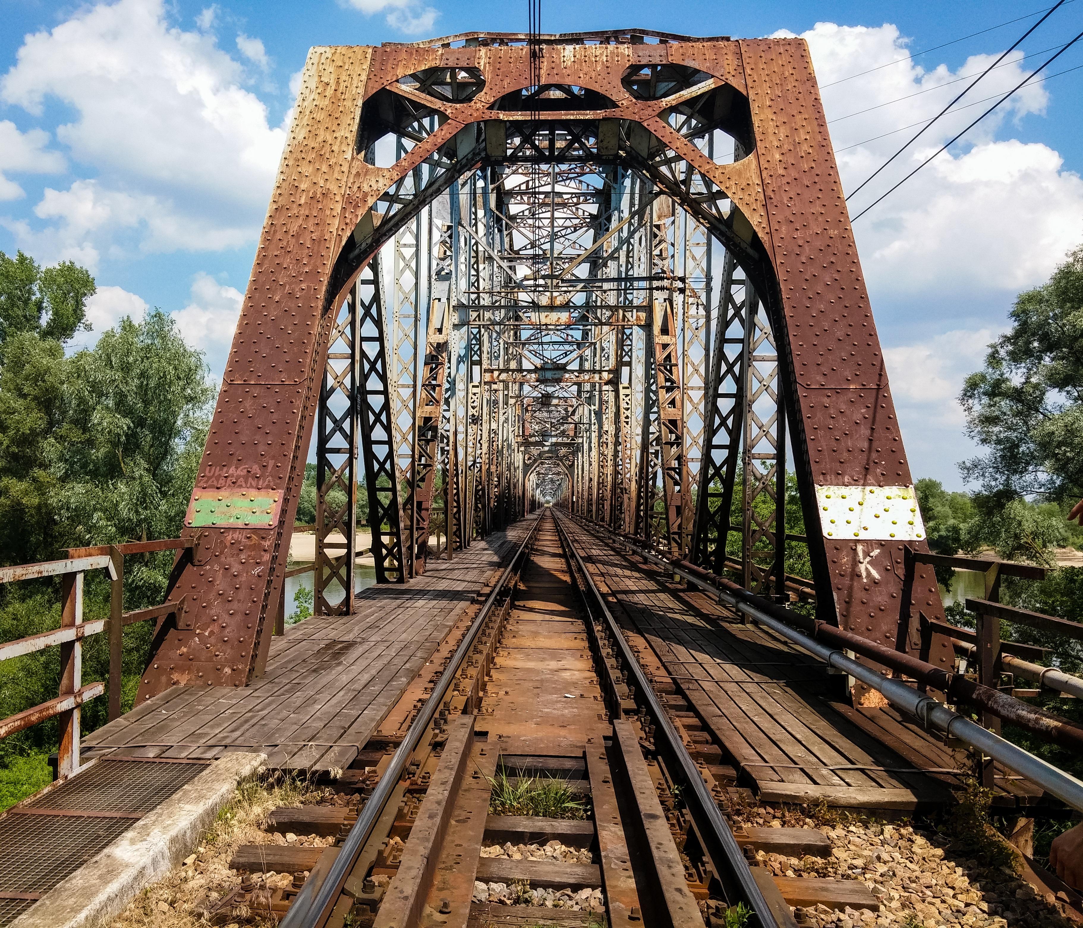 Contoh Desain Jembatan Taman Terbaik