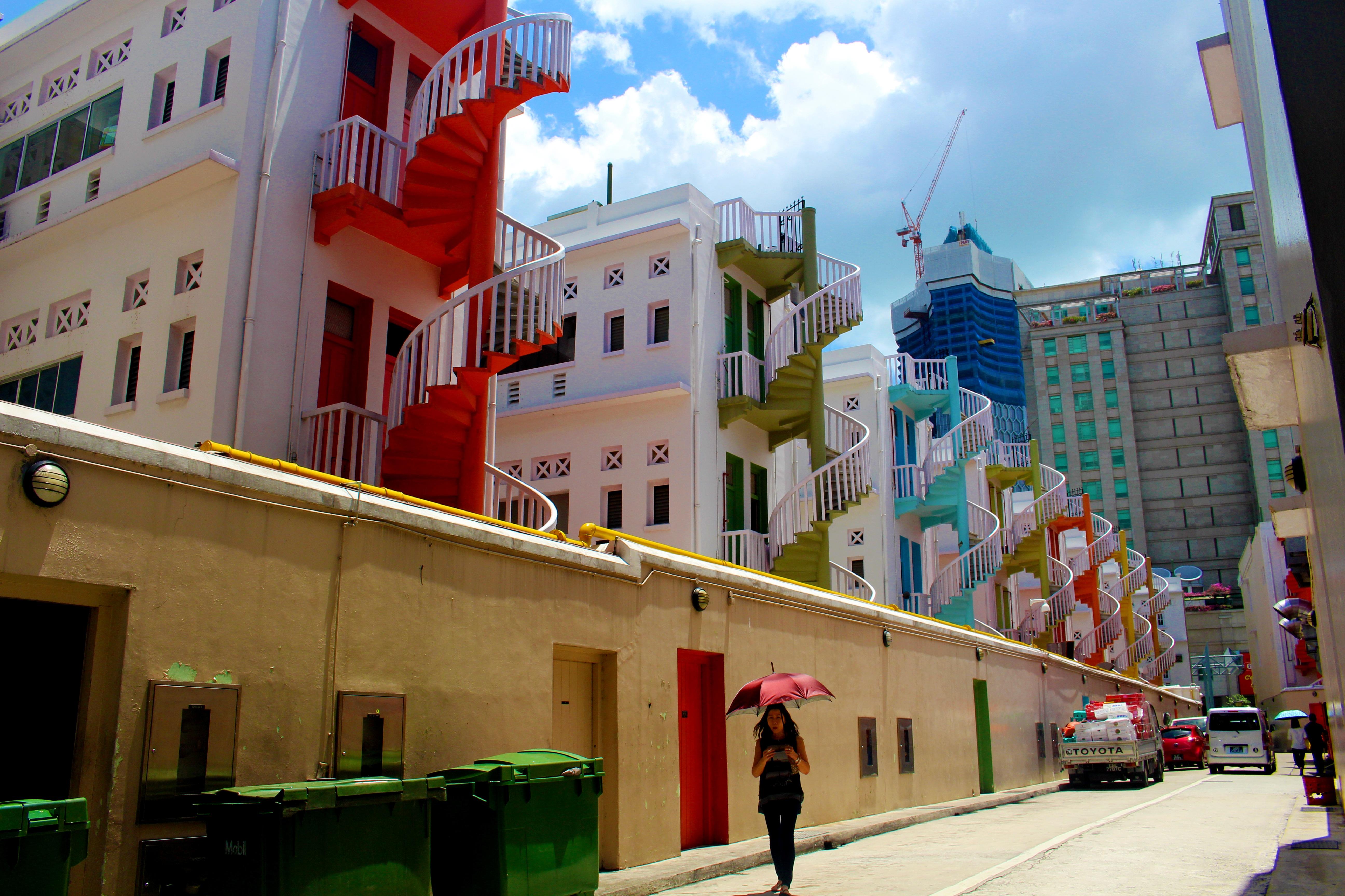 Fotos gratis arquitectura mujer la carretera calle pueblo edificio casa paisaje urbano - Casa asia empleo ...