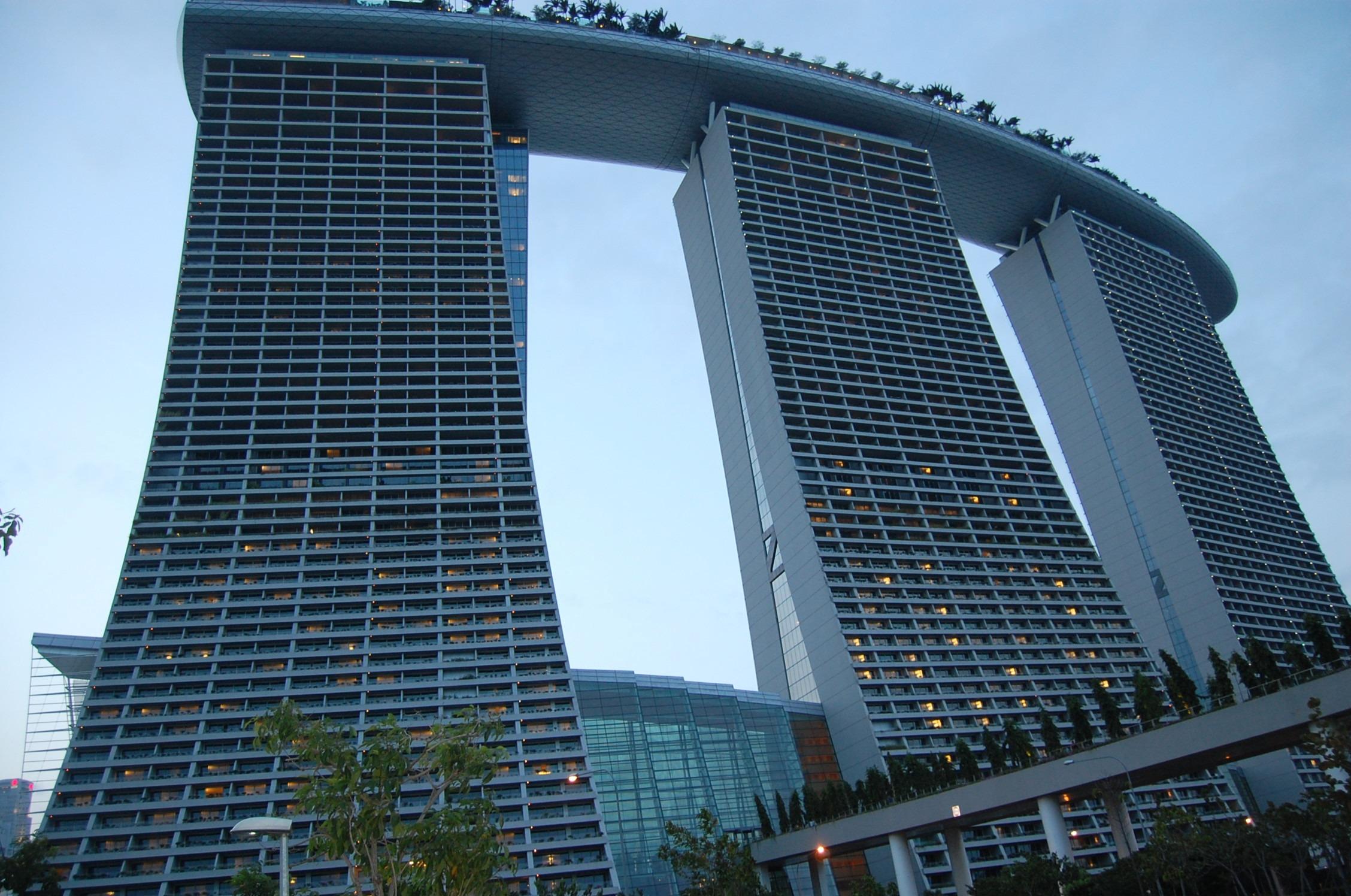 horizonte edificio rascacielos paisaje urbano centro de la ciudad viajar torre punto de referencia fachada bloque de pisos hotel singapur