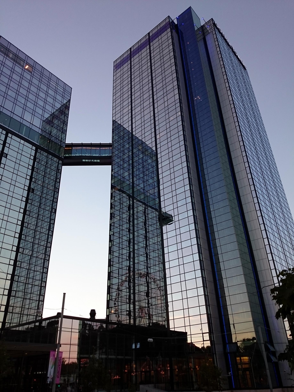 Fassade modern hotel  Kostenlose foto : die Architektur, Skyline, Glas, Gebäude, Stadt ...