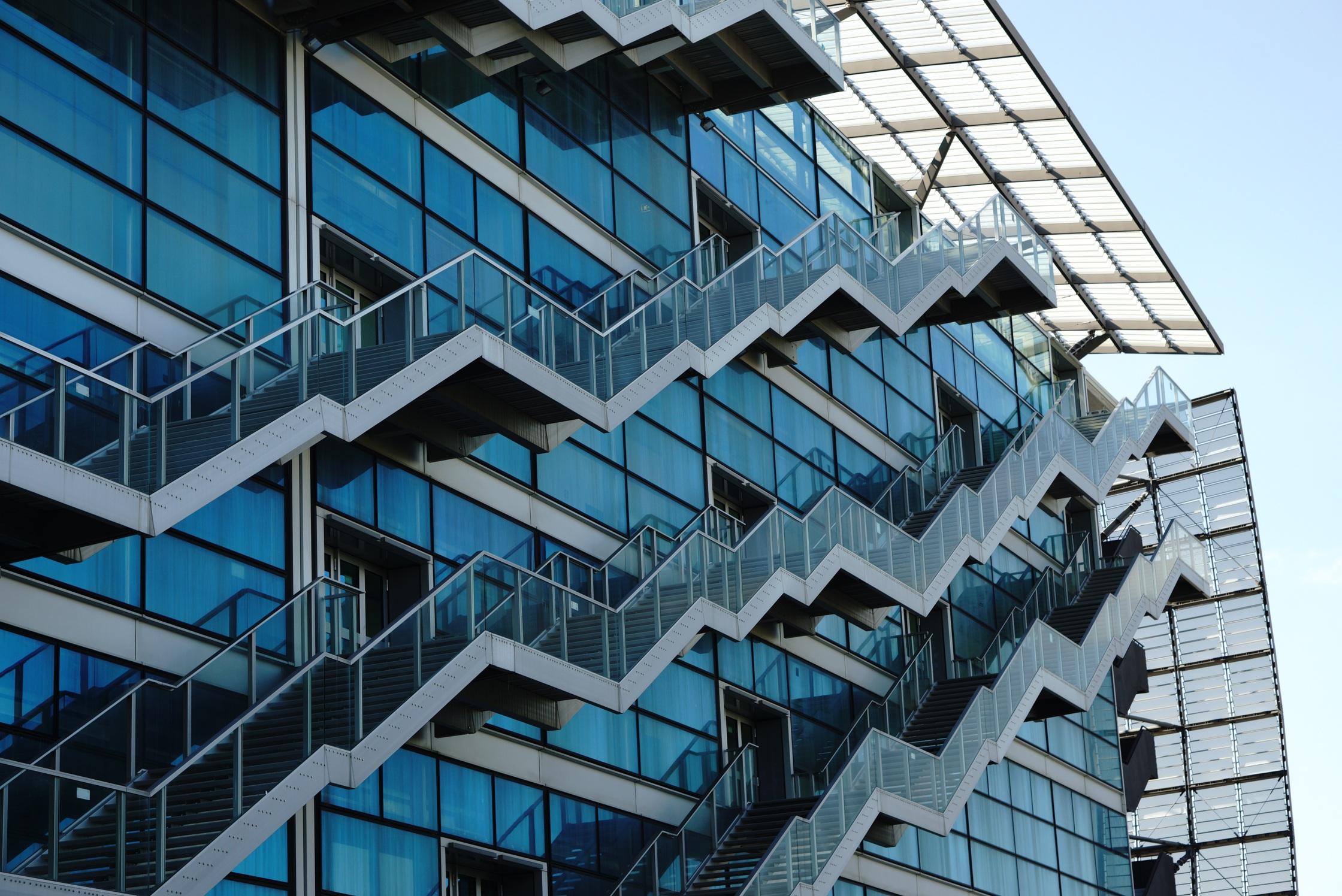 Fotos gratis arquitectura estructura rascacielos for Arquitectura minimalista edificios
