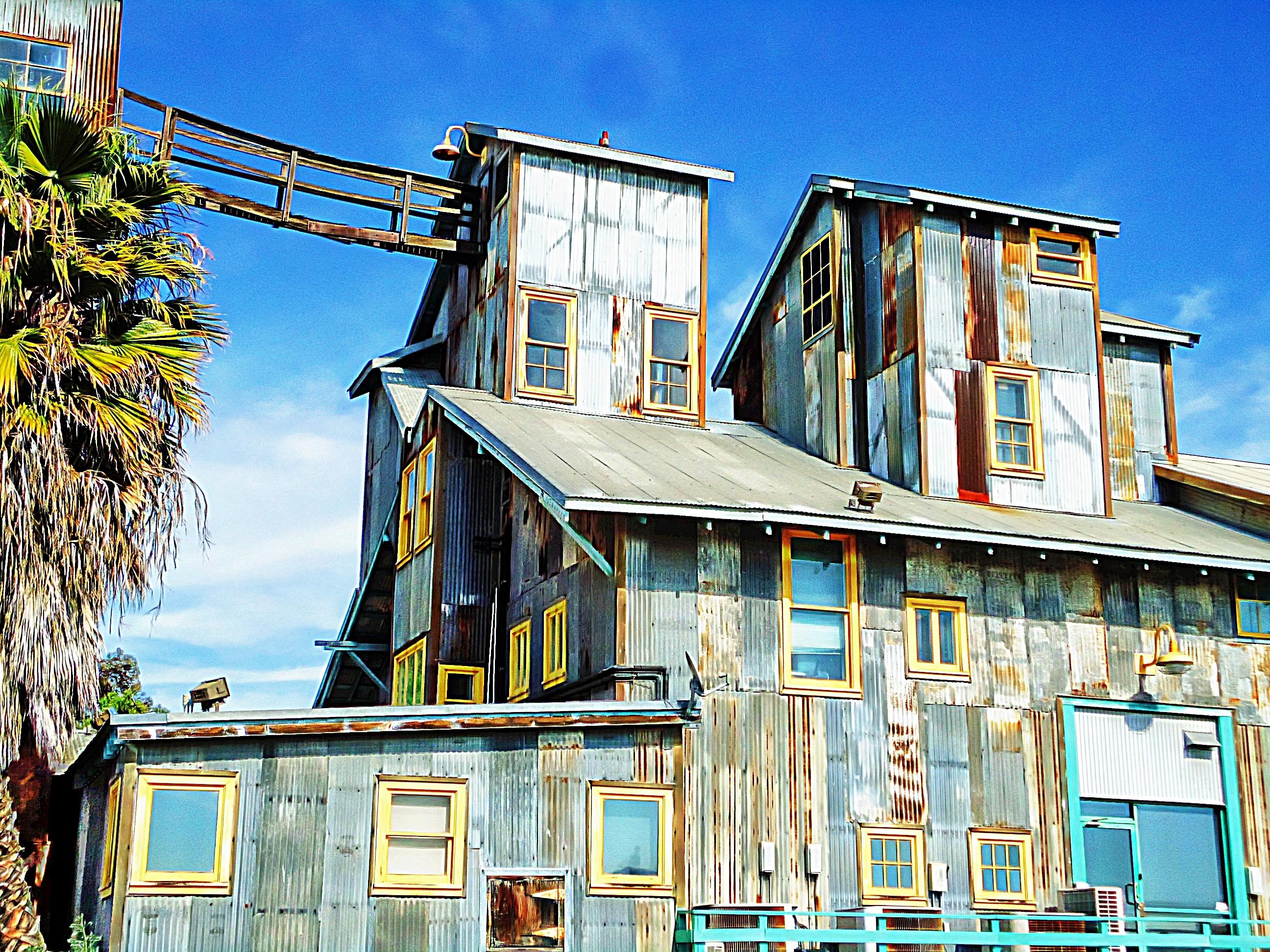 Architecture structure manoir maison ville bâtiment maison urbain vacances banlieue construction chalet façade industriel usine extérieur