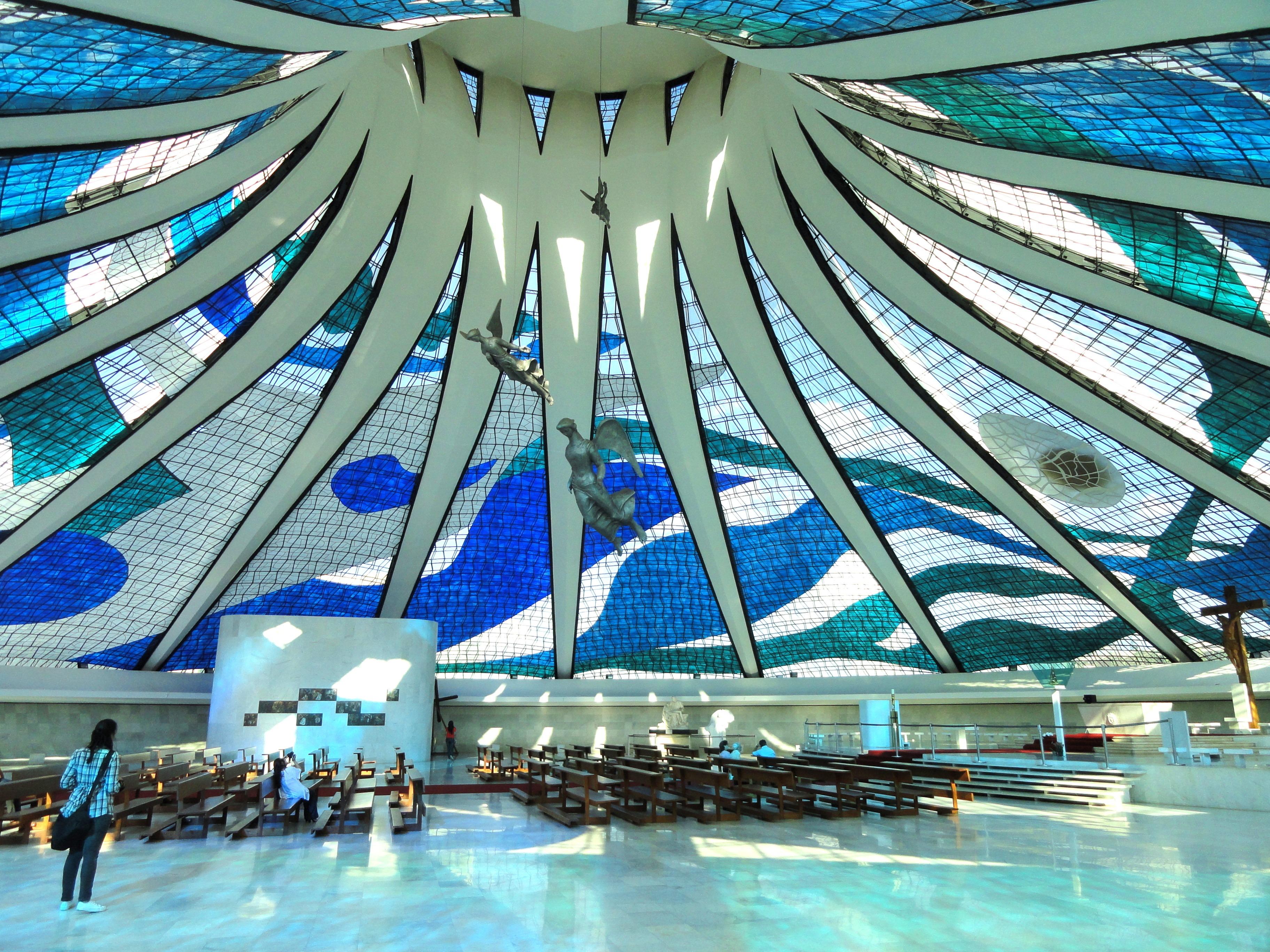 architectuur structuur mensen interieur gebouw zwembad artistiek kerk kathedraal vrije tijd decor stadion kunst symmetrie mooi
