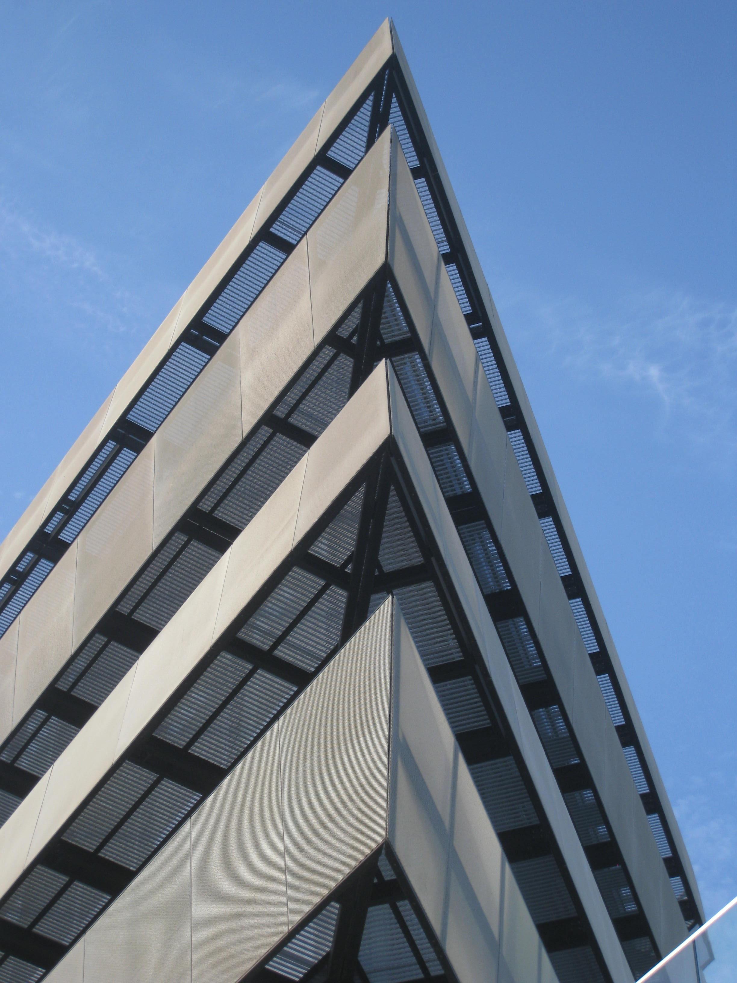 Images gratuites architecture structure toit gratte ciel construction la tour mât point de repère façade moderne pavillon de face hambourg