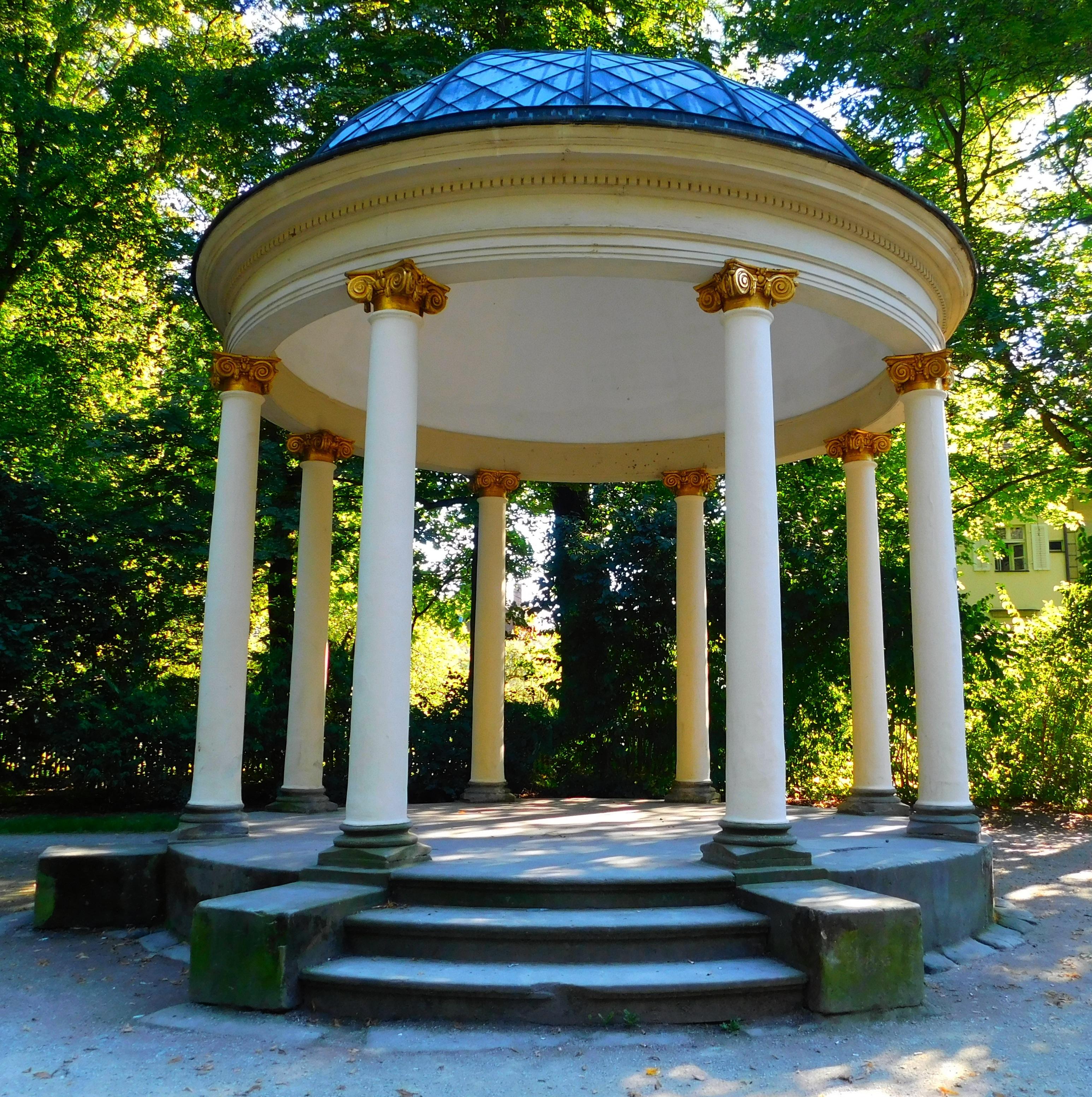 Fotos gratis arquitectura estructura villa palacio for Porche de jardin
