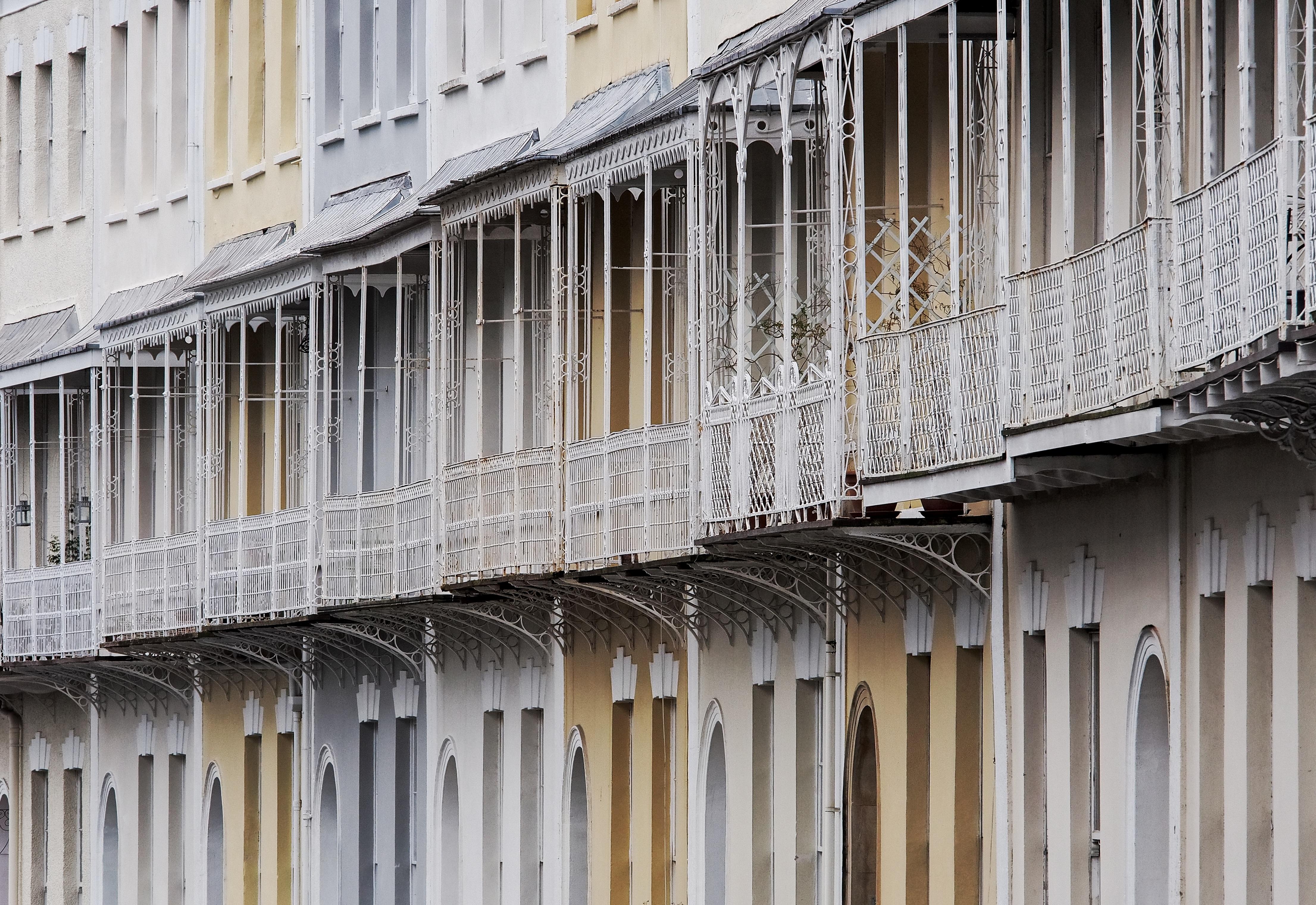 Fotos gratis : arquitectura, estructura, madera, fila, casa ...