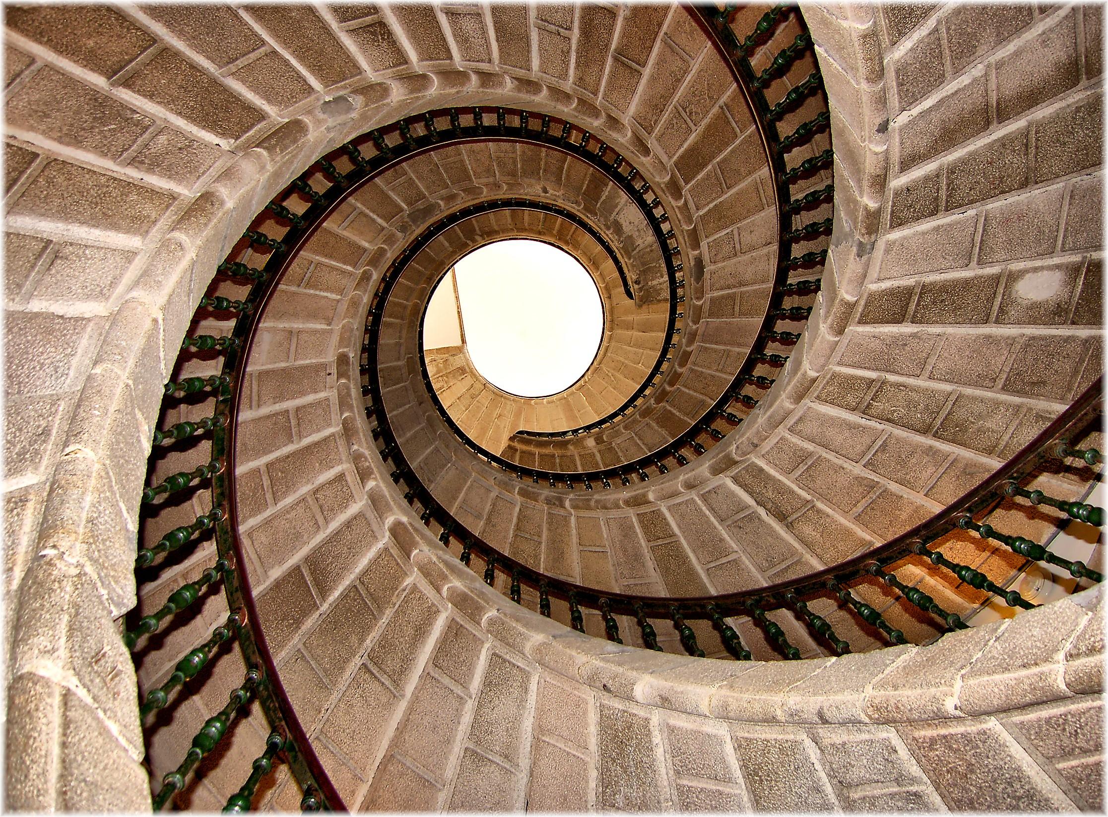 Fotos gratis arquitectura estructura madera espiral pared europa arco l nea ladrillo - Escaleras de caracol economicas ...