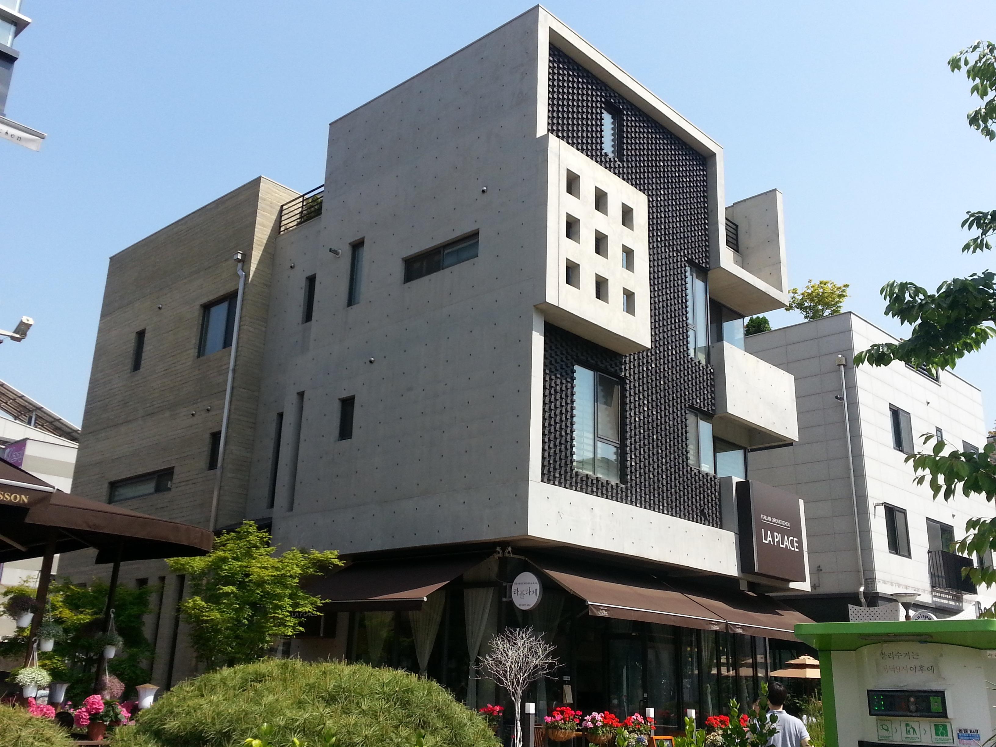 Images gratuites architecture villa maison fen tre b timent ville fa ade propri t for Fenetre villa