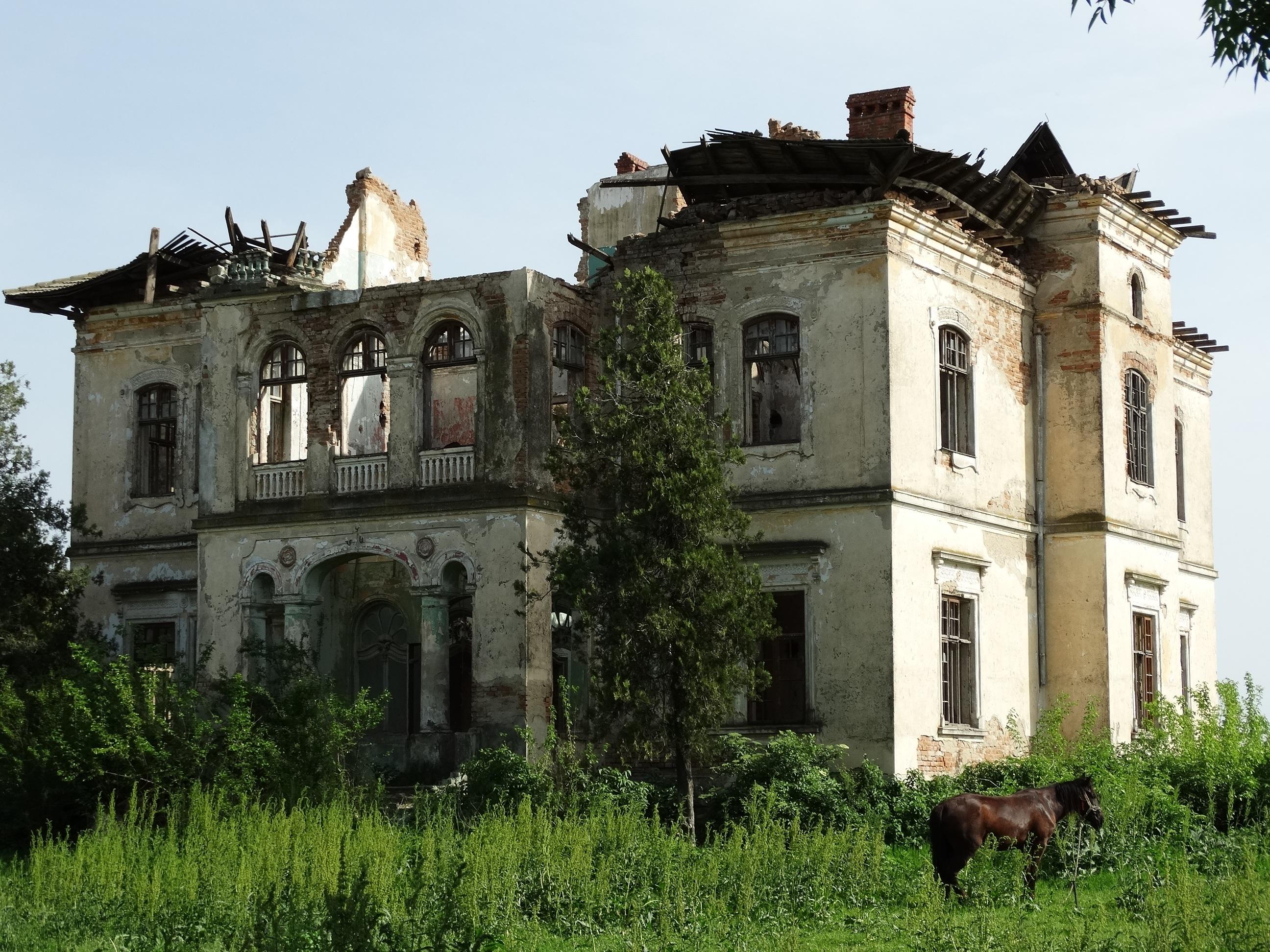 Free Images : architecture, villa, mansion, building, chateau ...