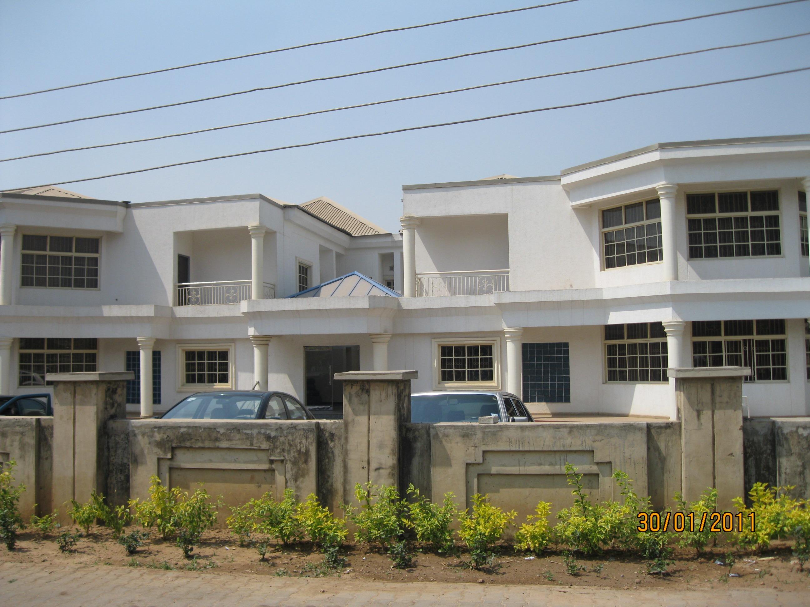 Architecture villa manoir maison bâtiment maison urbain banlieue afrique façade propriété appartement hôpital biens bâtiment commercial