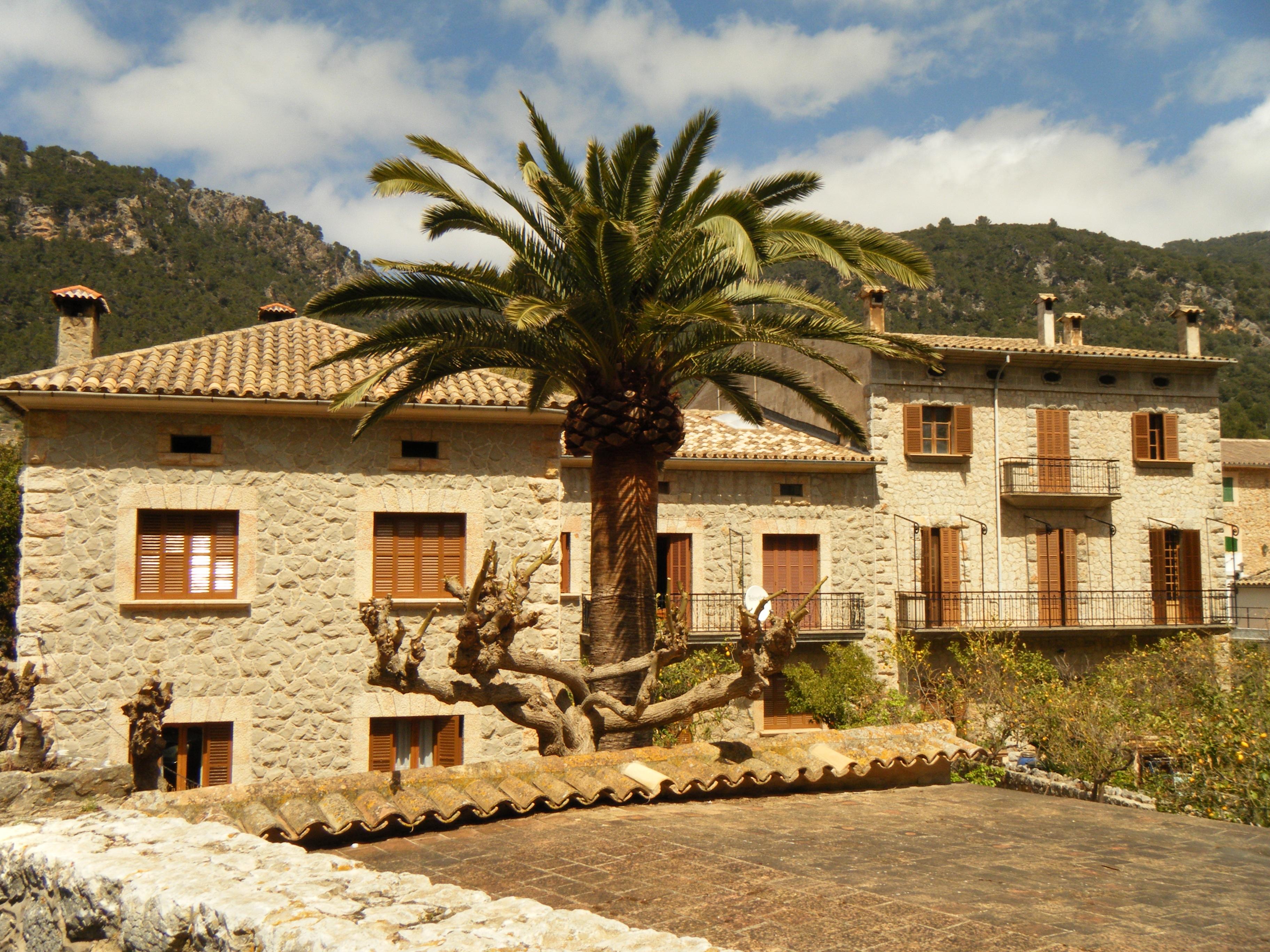 Fotos gratis arquitectura villa palacio ver edificio - Bienes raices espana ...