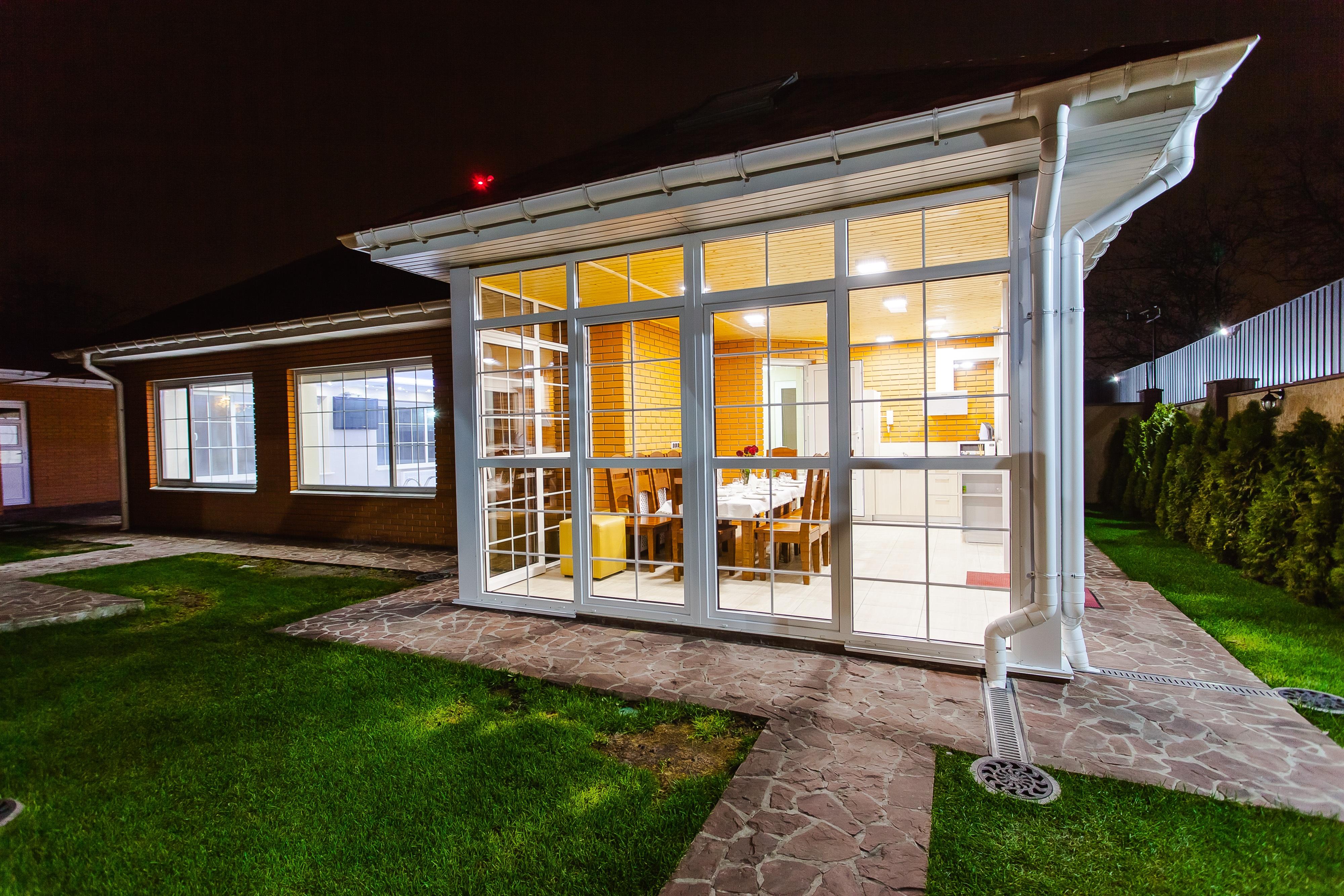 Free images architecture villa mansion house window for Arredare veranda chiusa