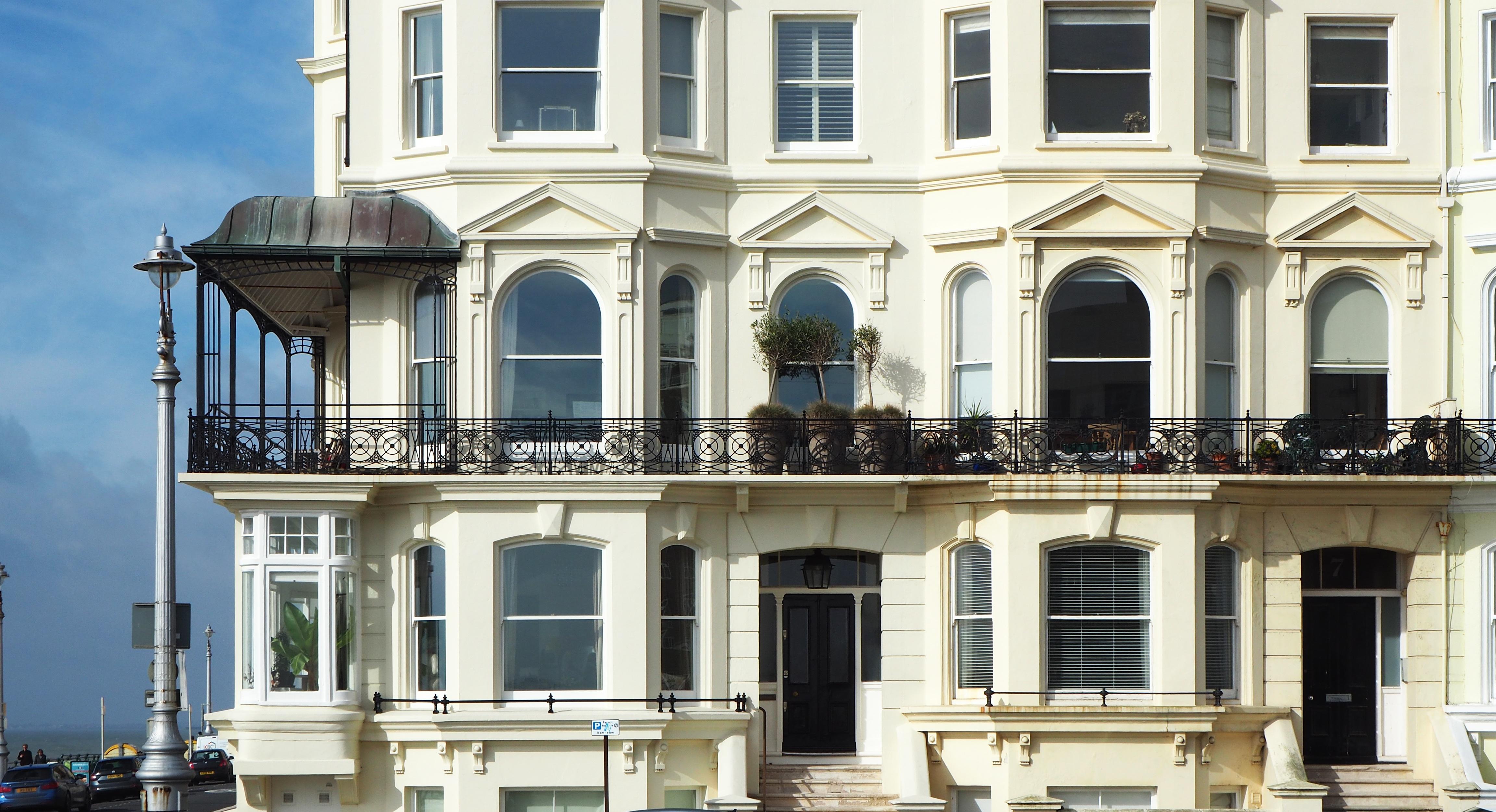 Fotos gratis arquitectura villa palacio casa ventana pueblo edificio playa balc n - Subastas de pisos en barcelona ...