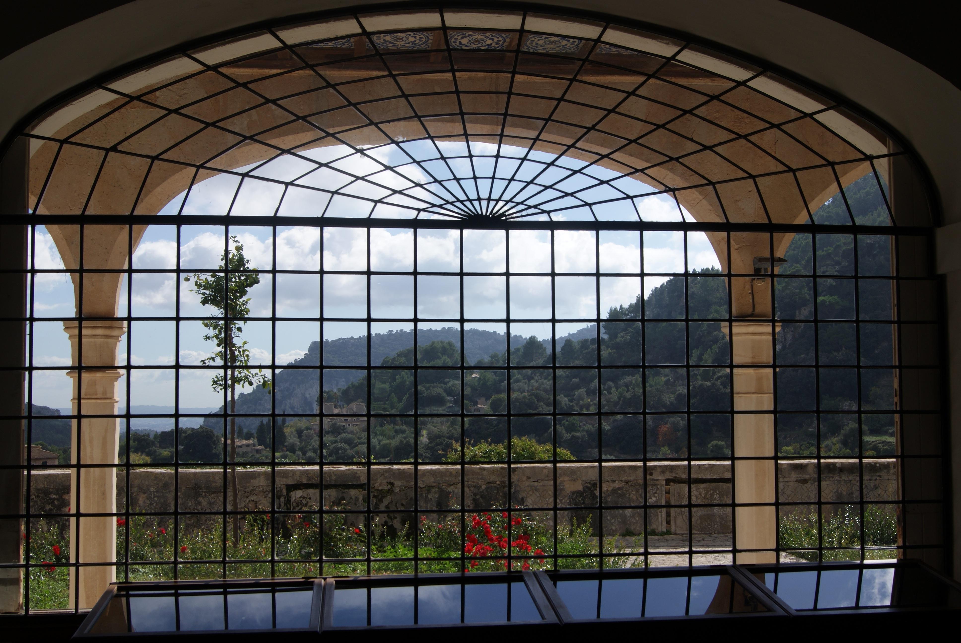 Images gratuites architecture villa fen tre verre vue cambre fa ade mat riel vitrail for Fenetre villa