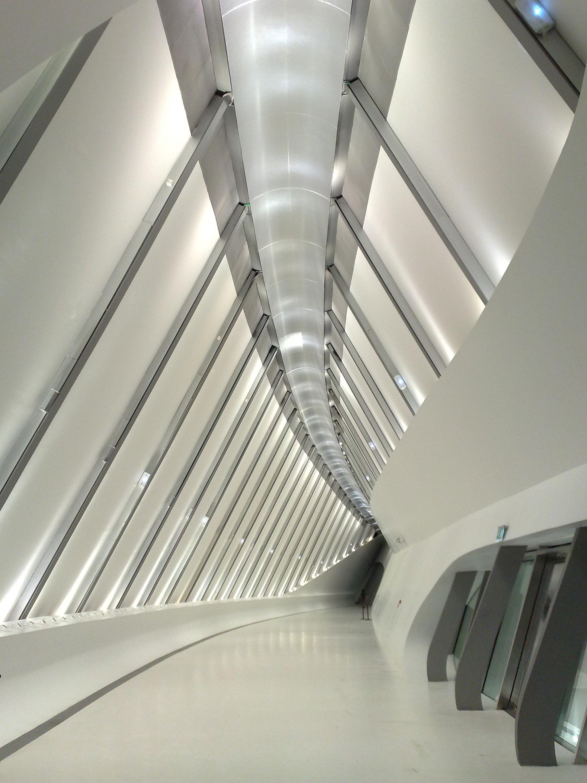 무료 이미지 : 건축물, 보도, 천장, 곡선, 조명, 인테리어 디자인 ...