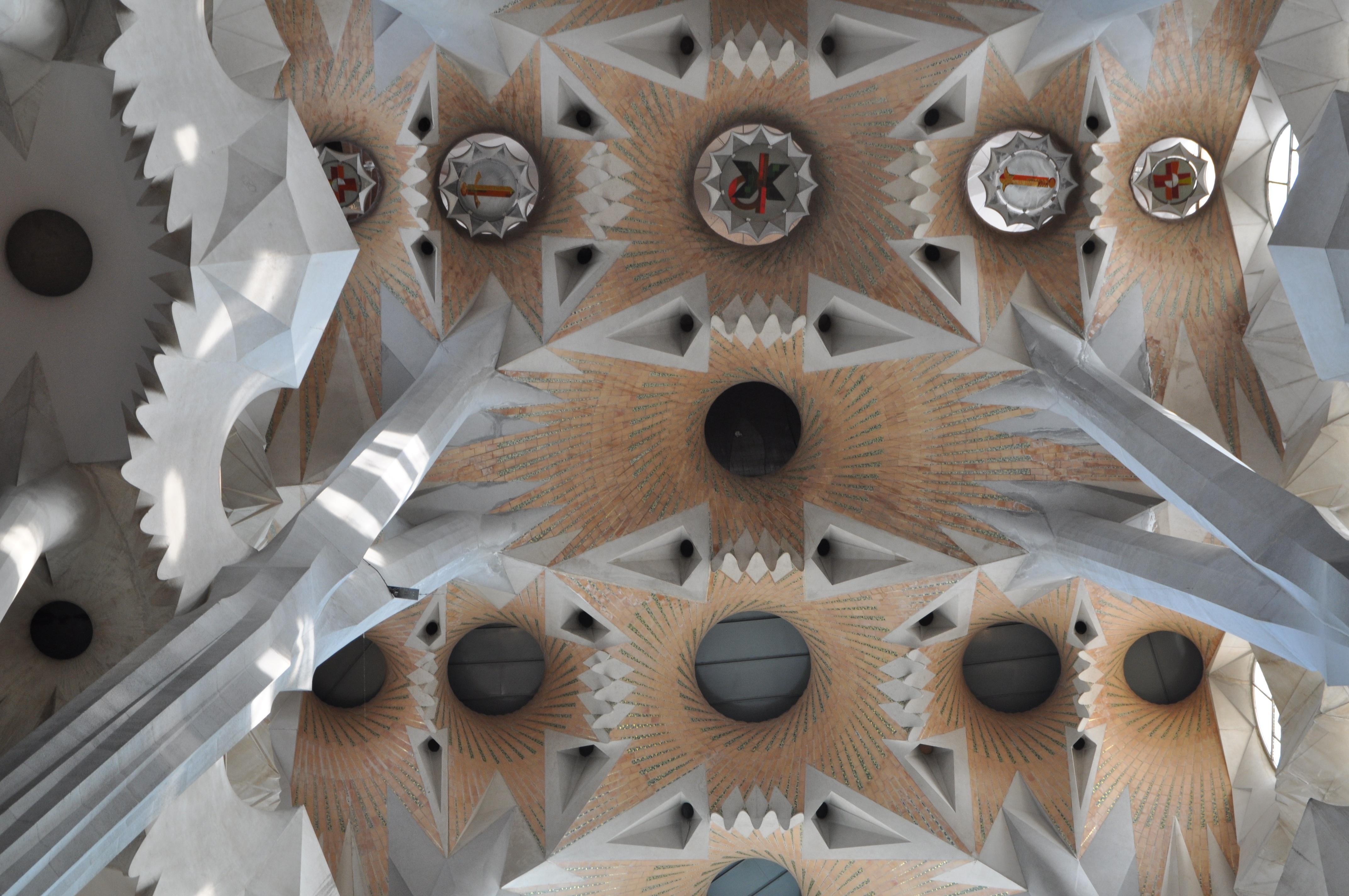 Gratis Afbeeldingen : architectuur, wiel, klok, gebouw, godsdienst ...