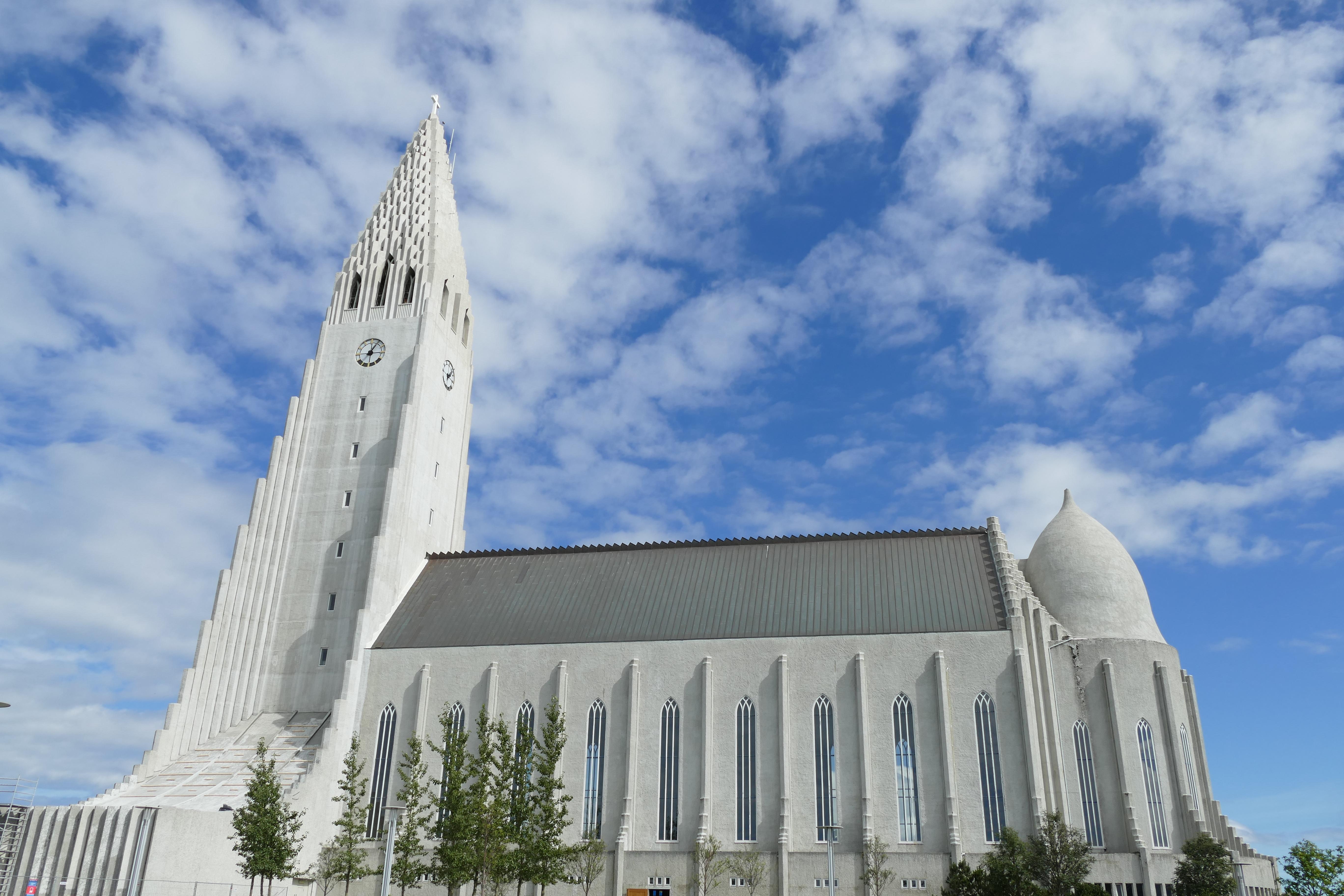 Fotos gratis arquitectura blanco edificio monumento for Casette di legno in islanda reykjavik