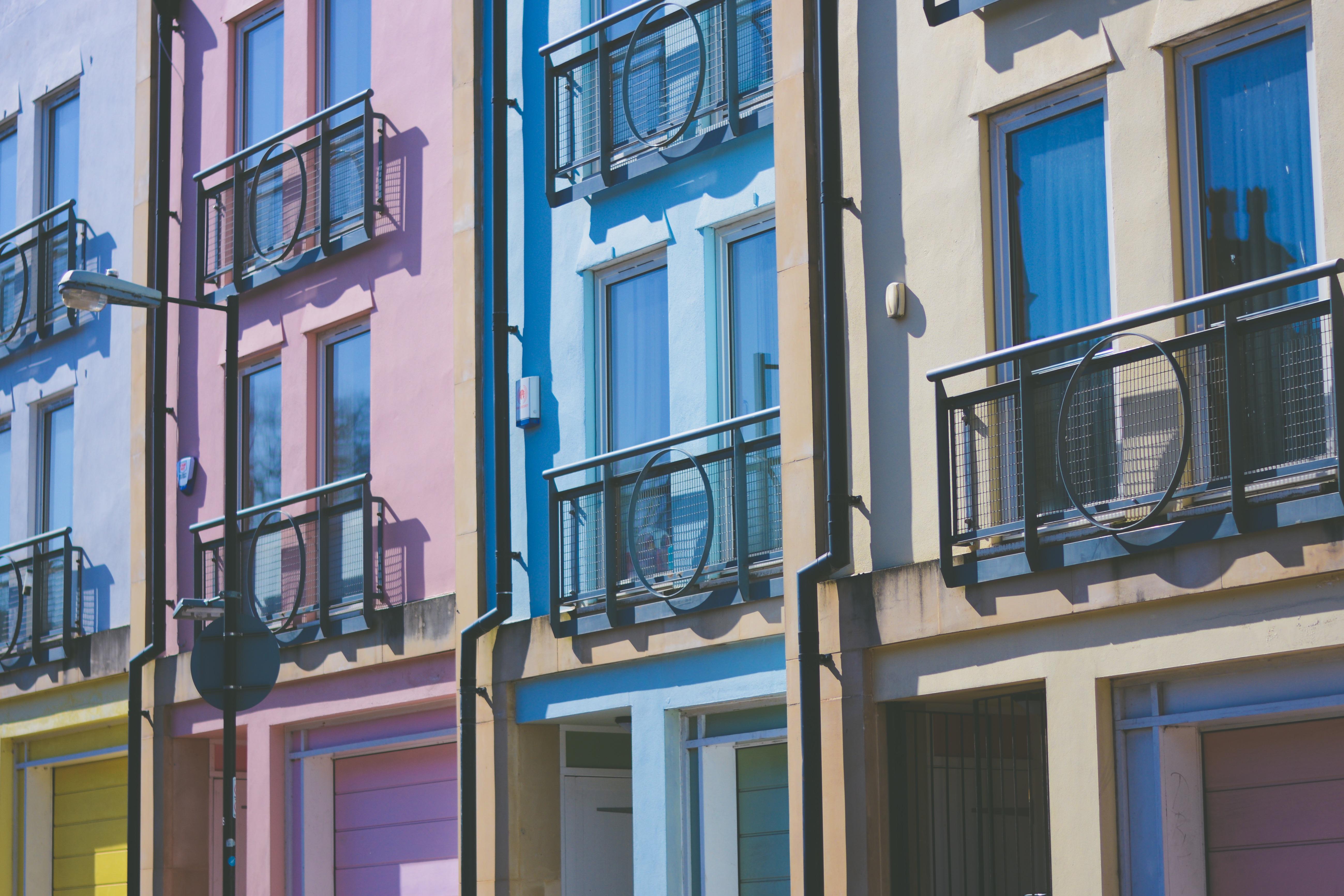 Картинки : архитектура, окно, балкон, фасад, имущество, сини.
