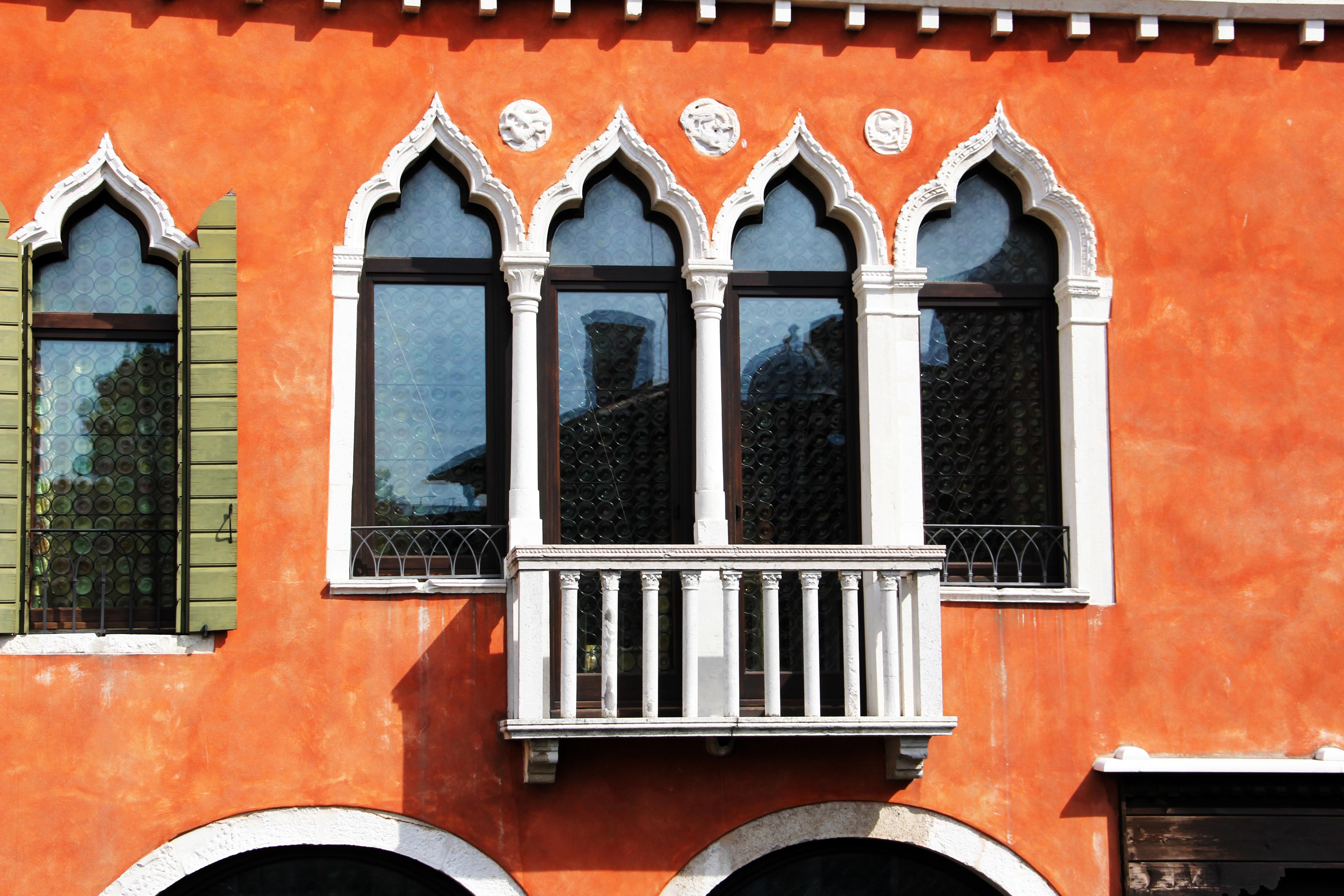Картинки : архитектура, окно, здание, стена, балкон, цвет, ф.