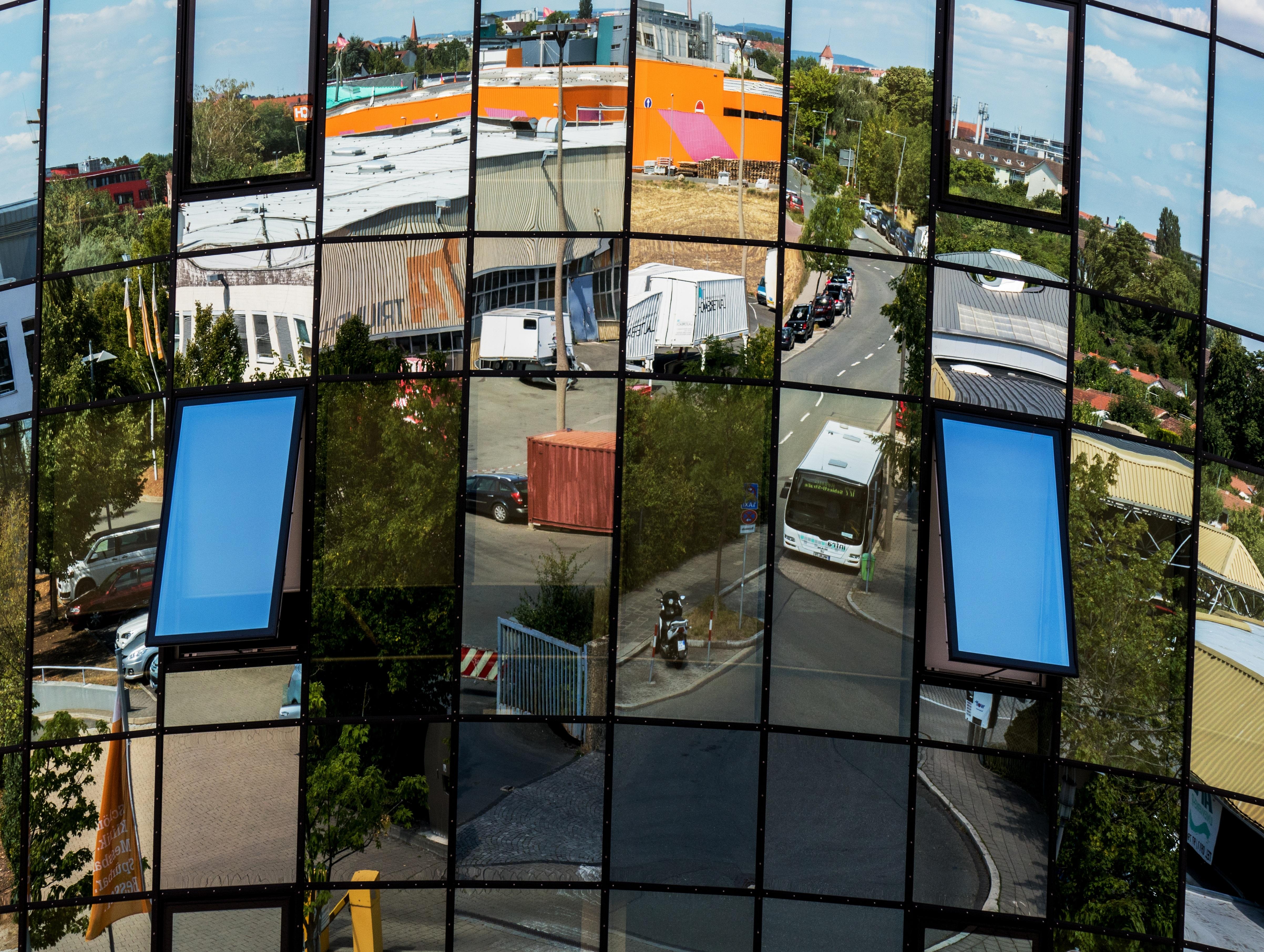 Kostenlose foto : die Architektur, Fenster, Glas, Gebäude, Werbung ...