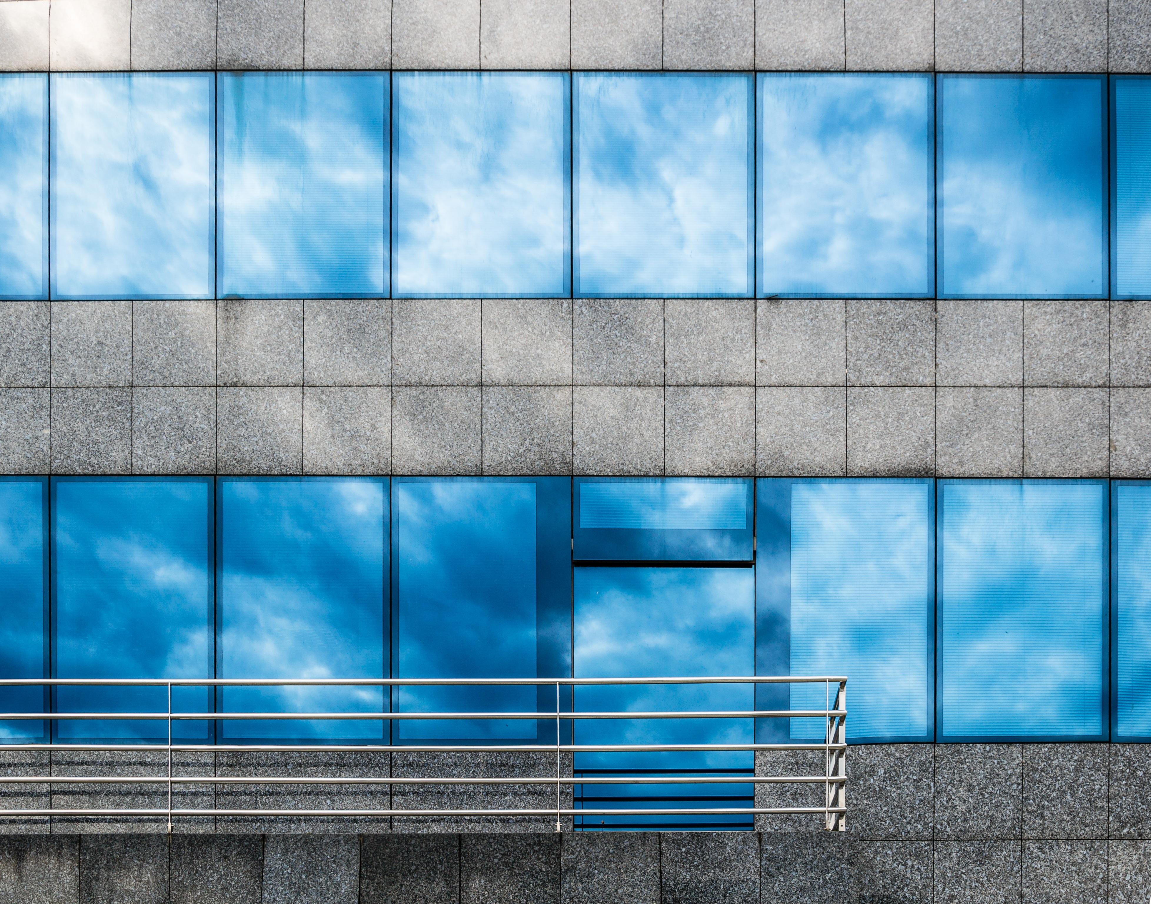 Arsitektur Jendela Kaca Bangunan Perkotaan Dinding Baja Garis Refleksi Warna Perusahaan Kantor Penglihatan Kelabu Biru Bisnis