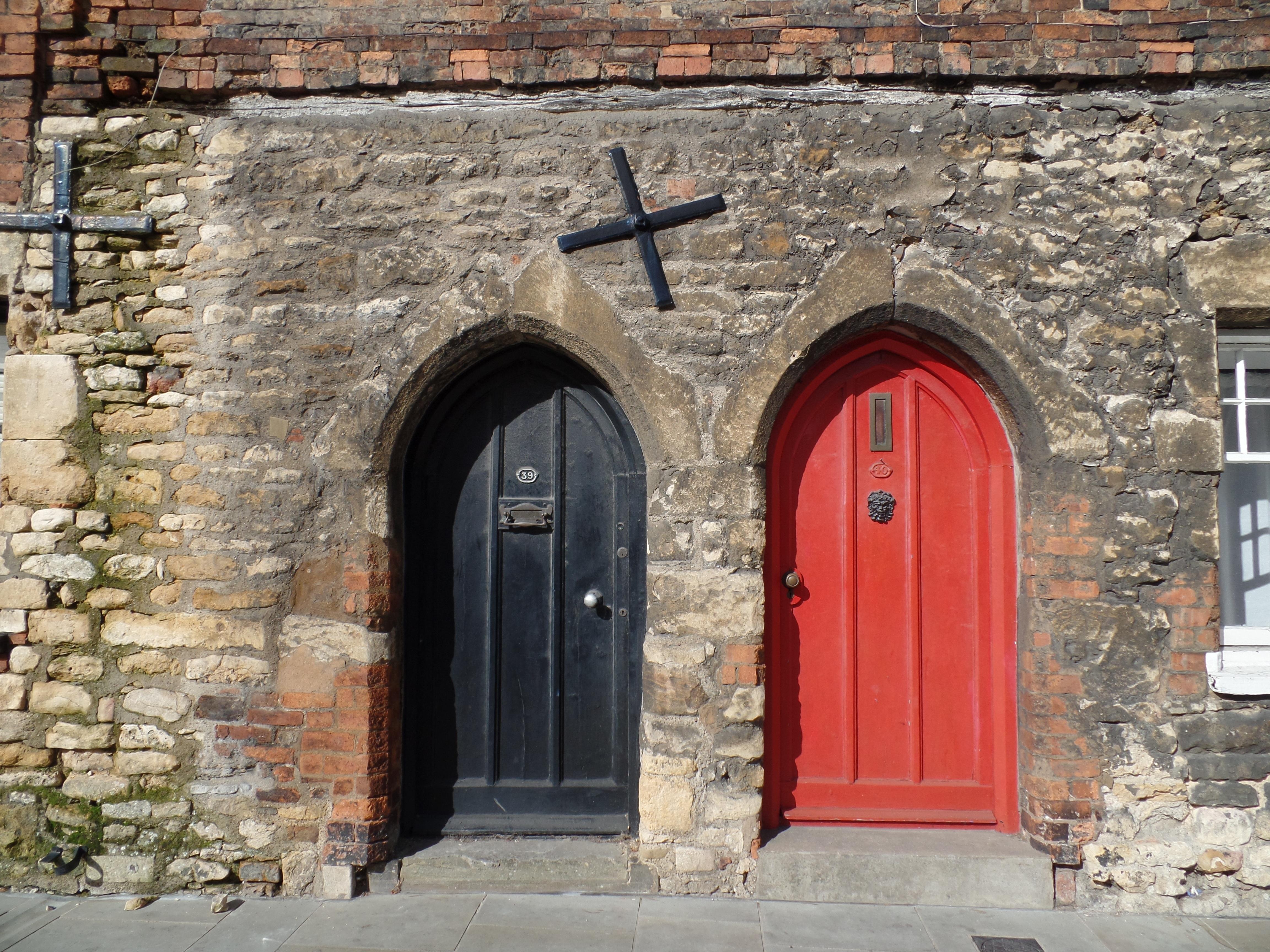 Puertas de entrada antiguas puertas viejas imagenes ue for Puerta casa antigua