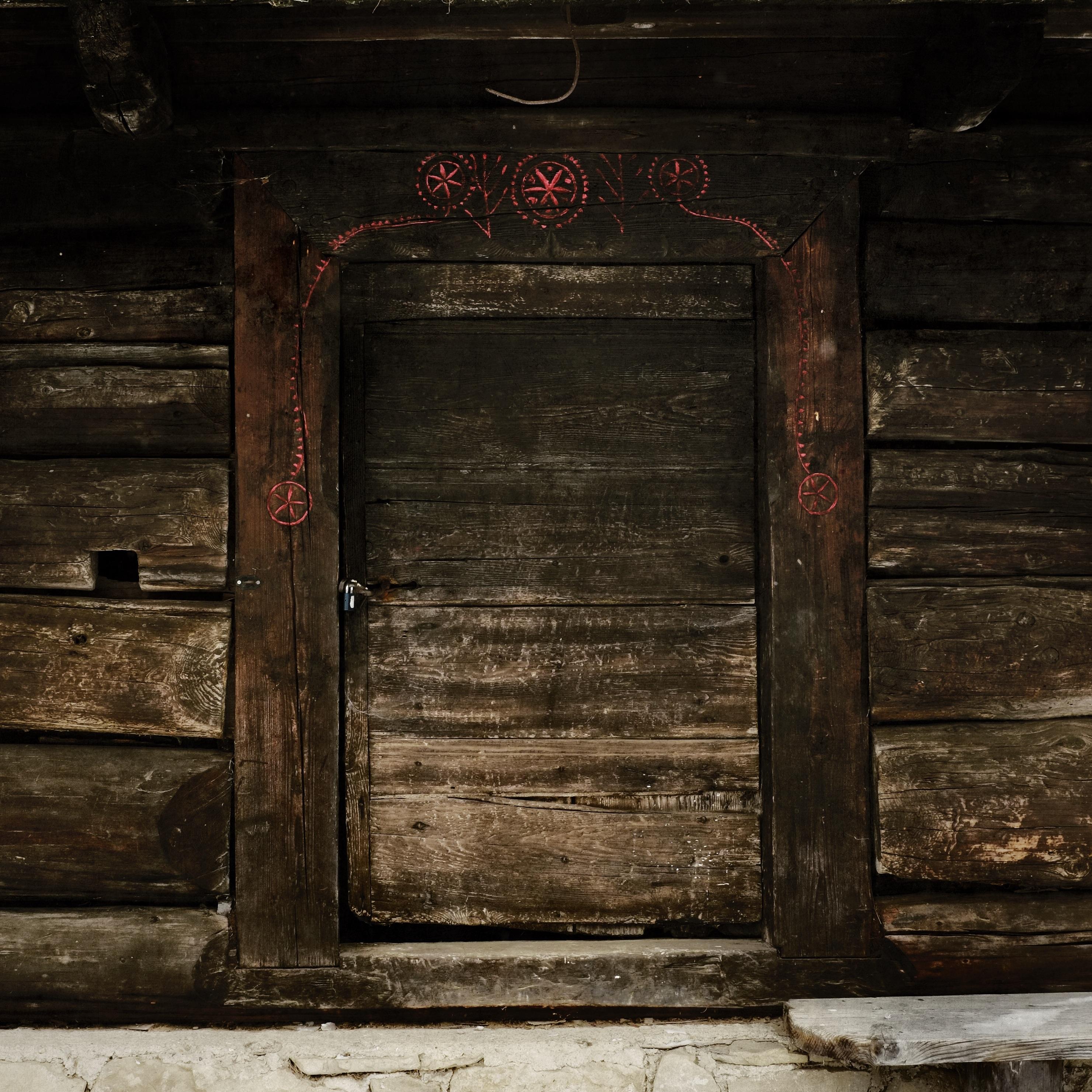 Fotos gratis arquitectura antiguo casa textura for Puerta vieja madera