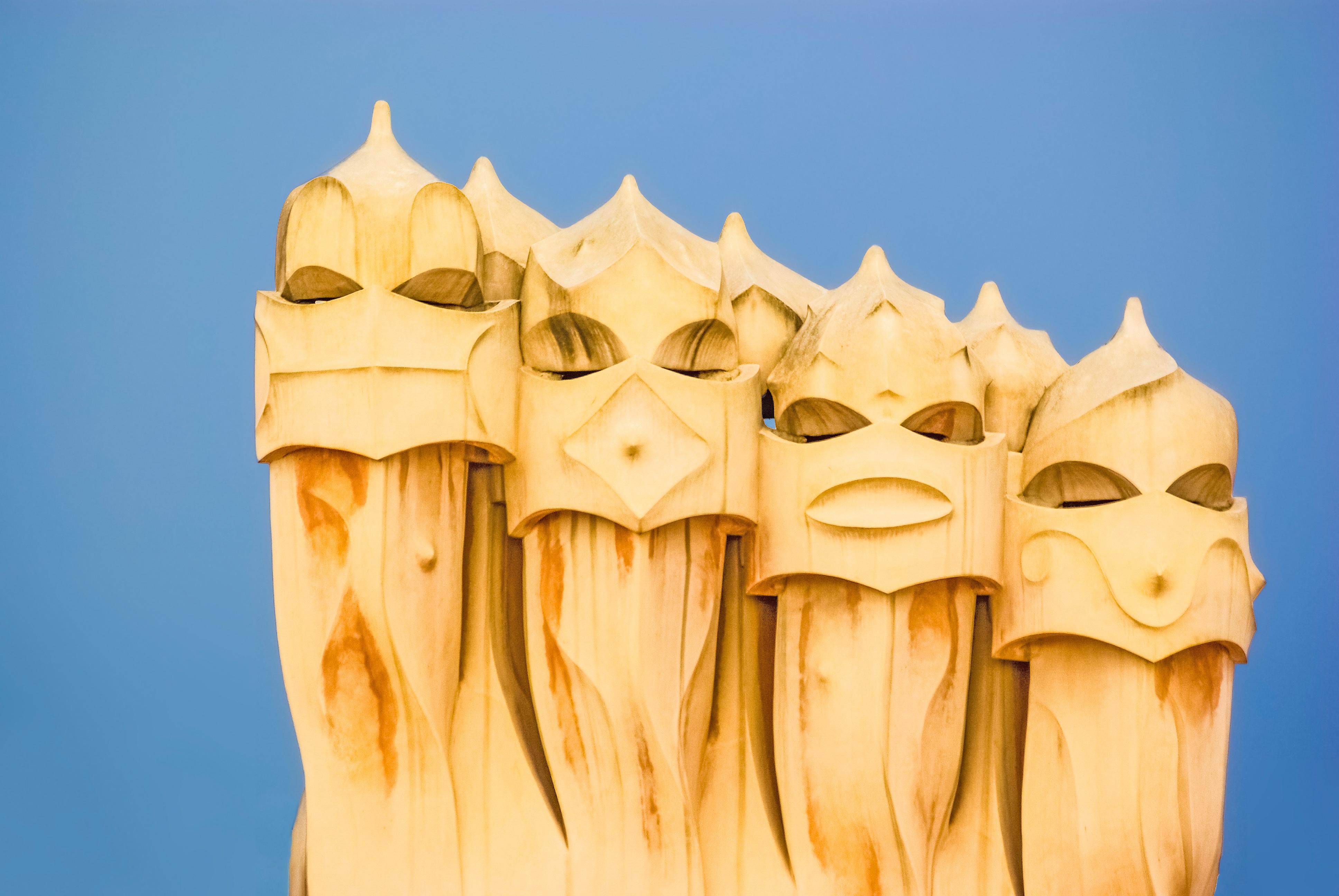 madera barcelona escultura art espaa ilustracin templo catalunya catalua gaud tallado casa mila lugar de