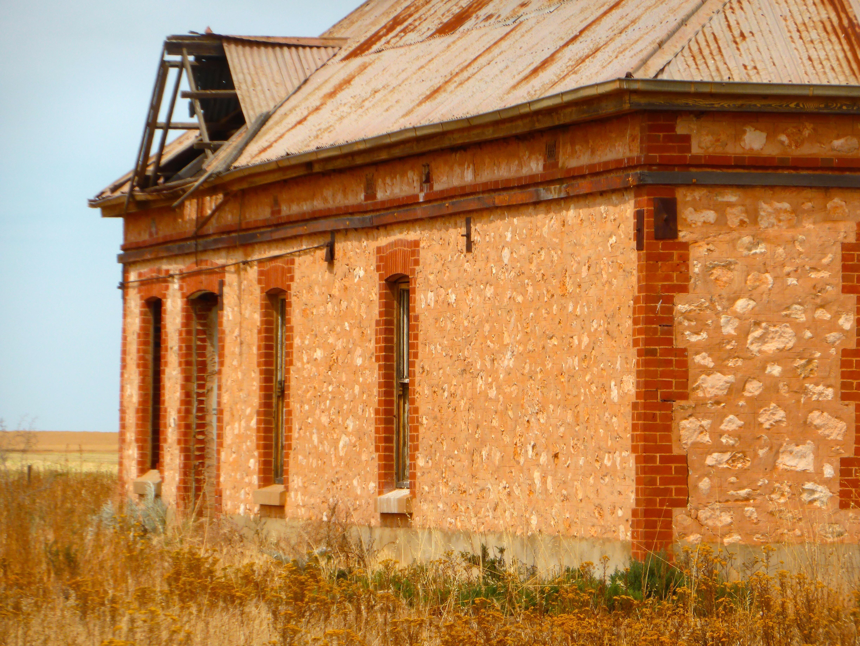 Fotos gratis arquitectura madera edificio antiguo for Fachadas de ladrillo rustico