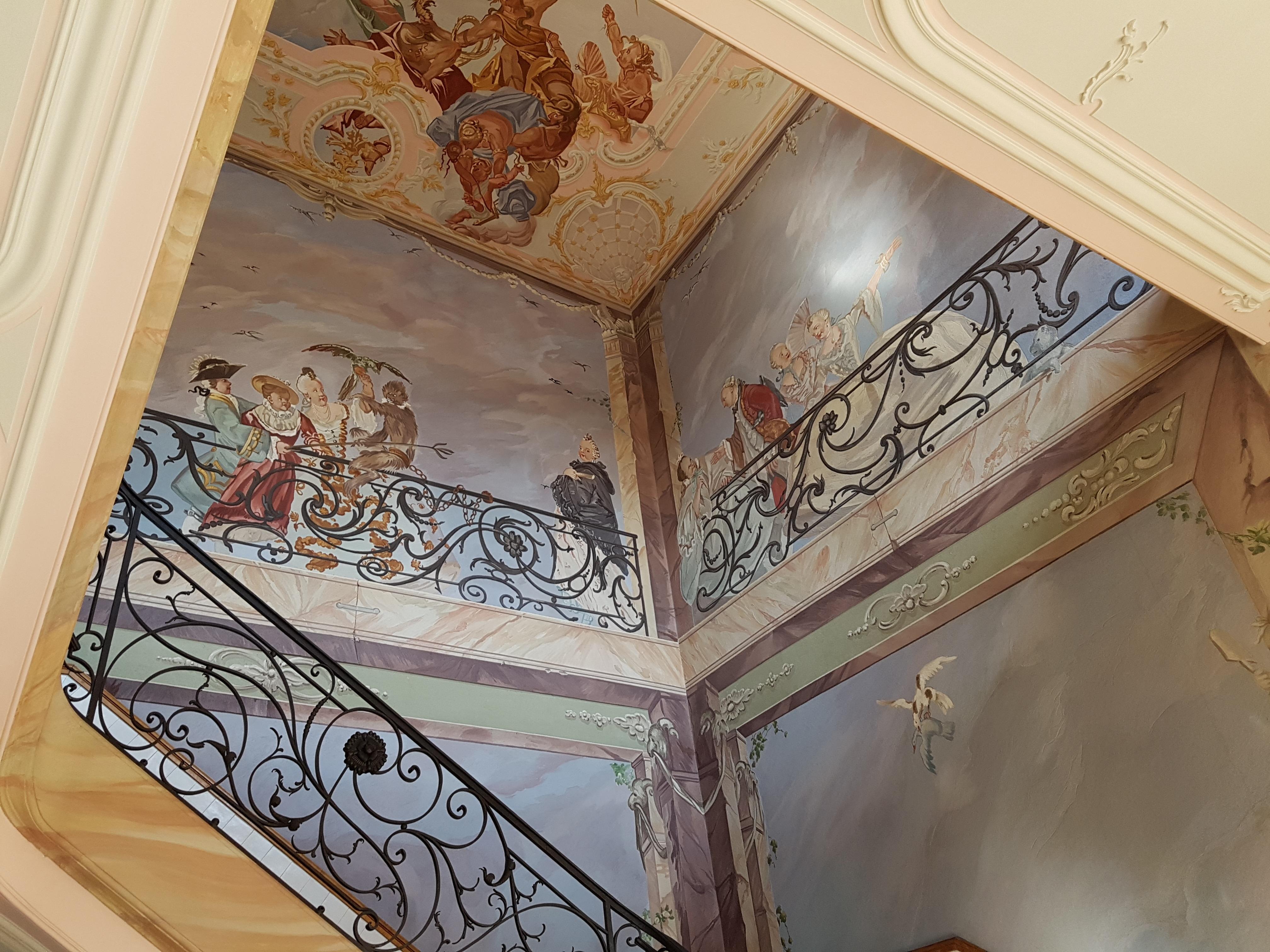 fotos gratis madera casa piso ventana vaso edificio pared escalera techo habitacin material obra de arte pintura ornamento