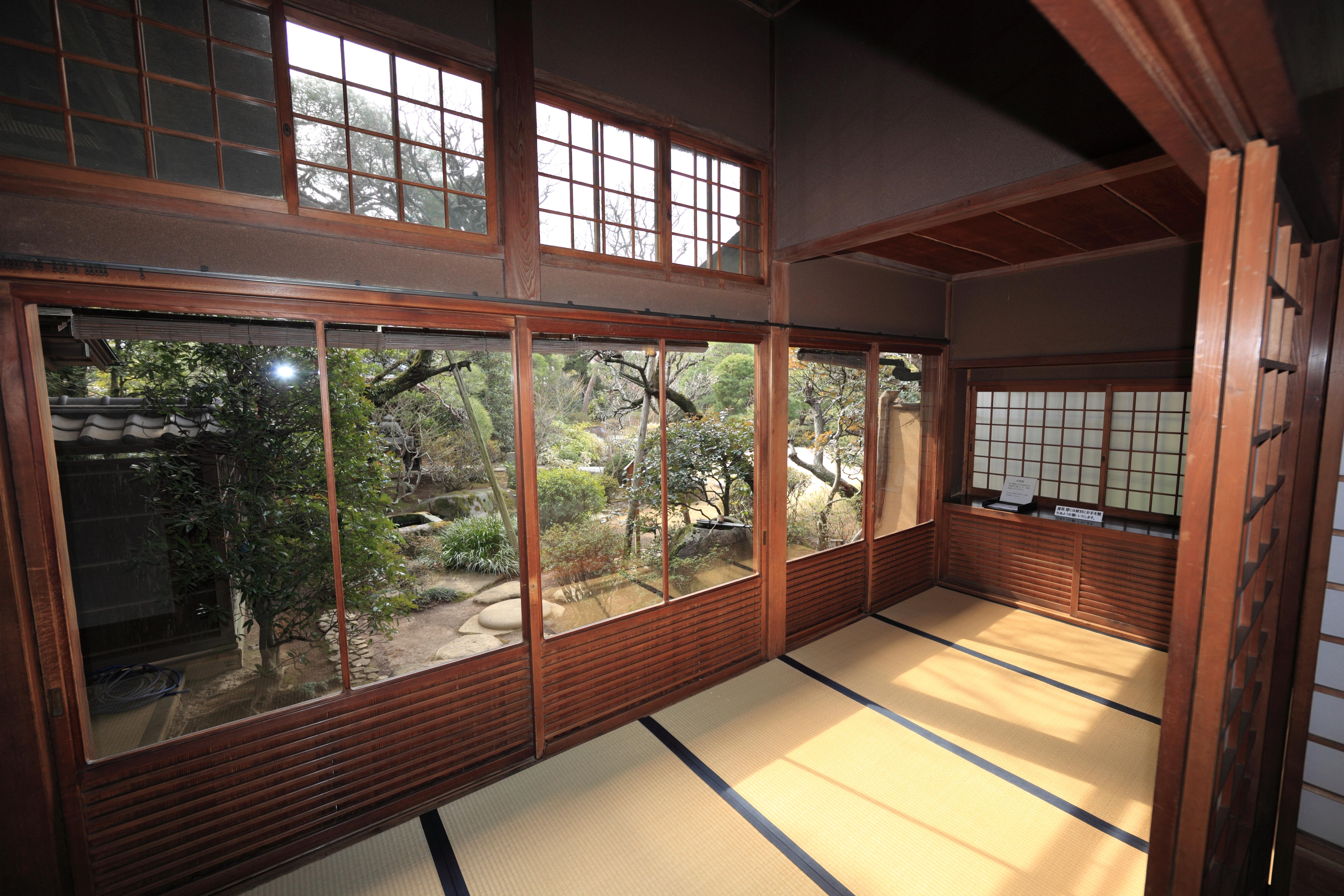Gambar Arsitektur Kayu Rumah Pedalaman Jendela Tinggi Museum