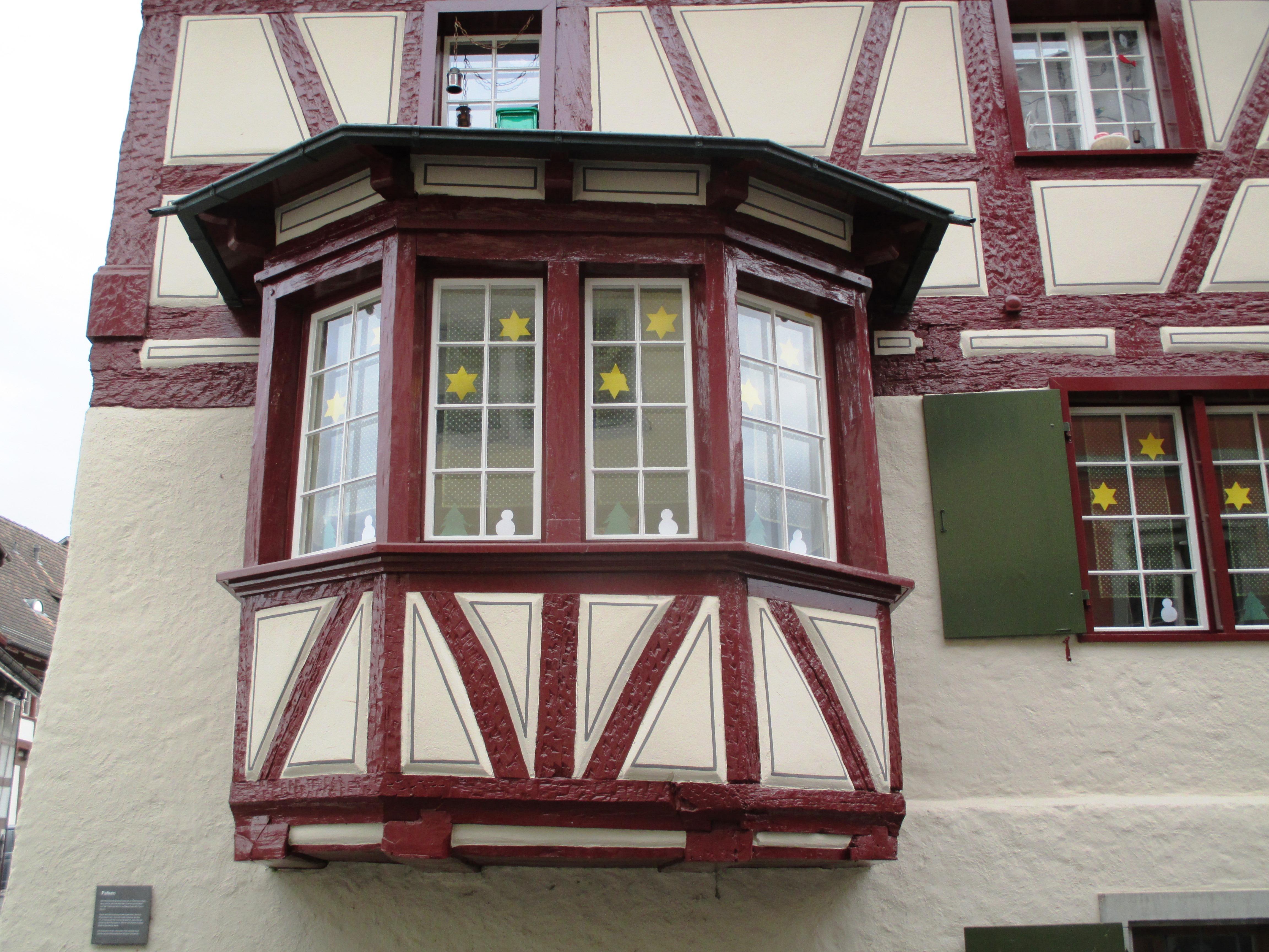 Images gratuites architecture bois maison b timent for Balcon facade maison