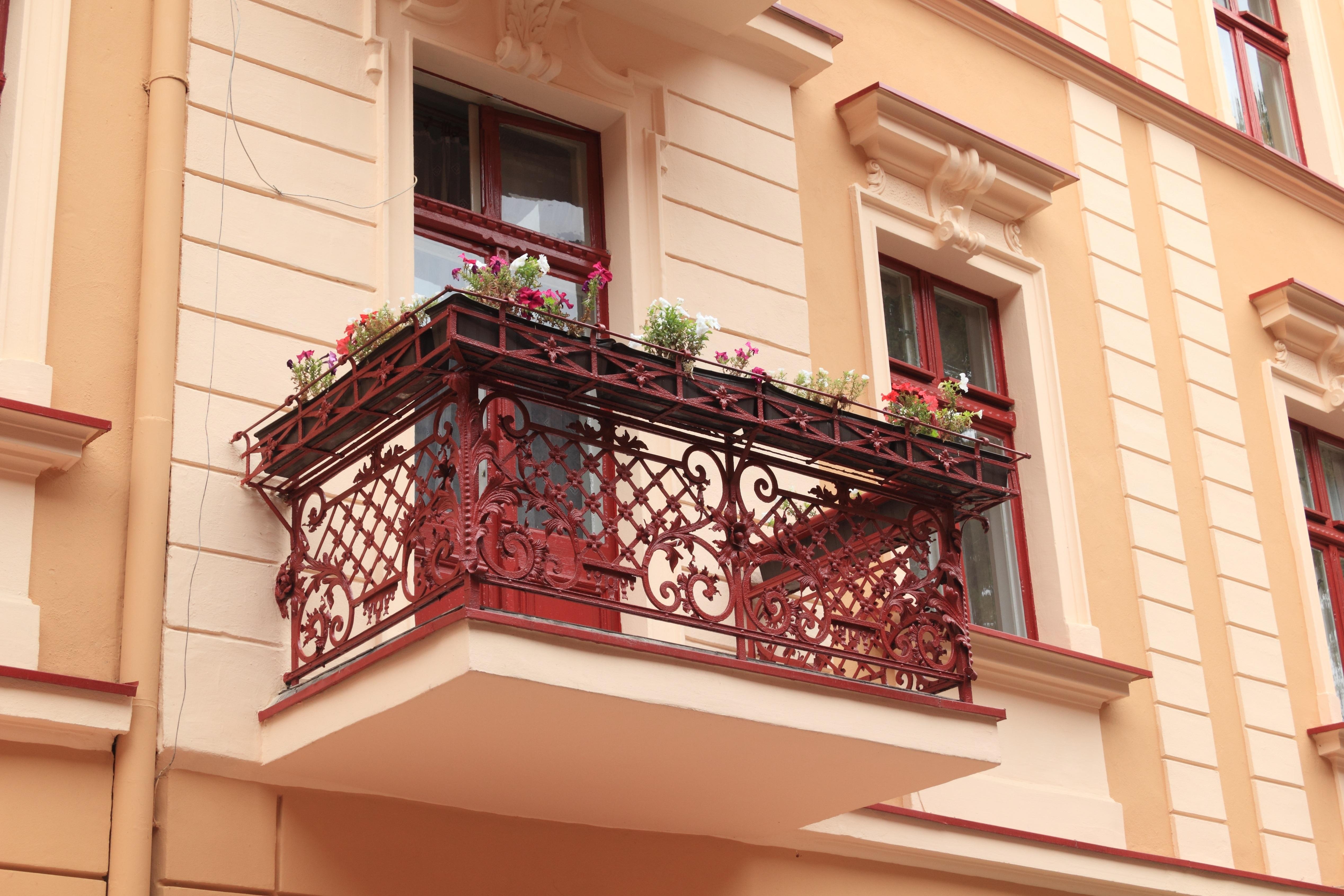 Fotos gratis arquitectura madera casa ventana porche for Escalera de madera al aire libre precio