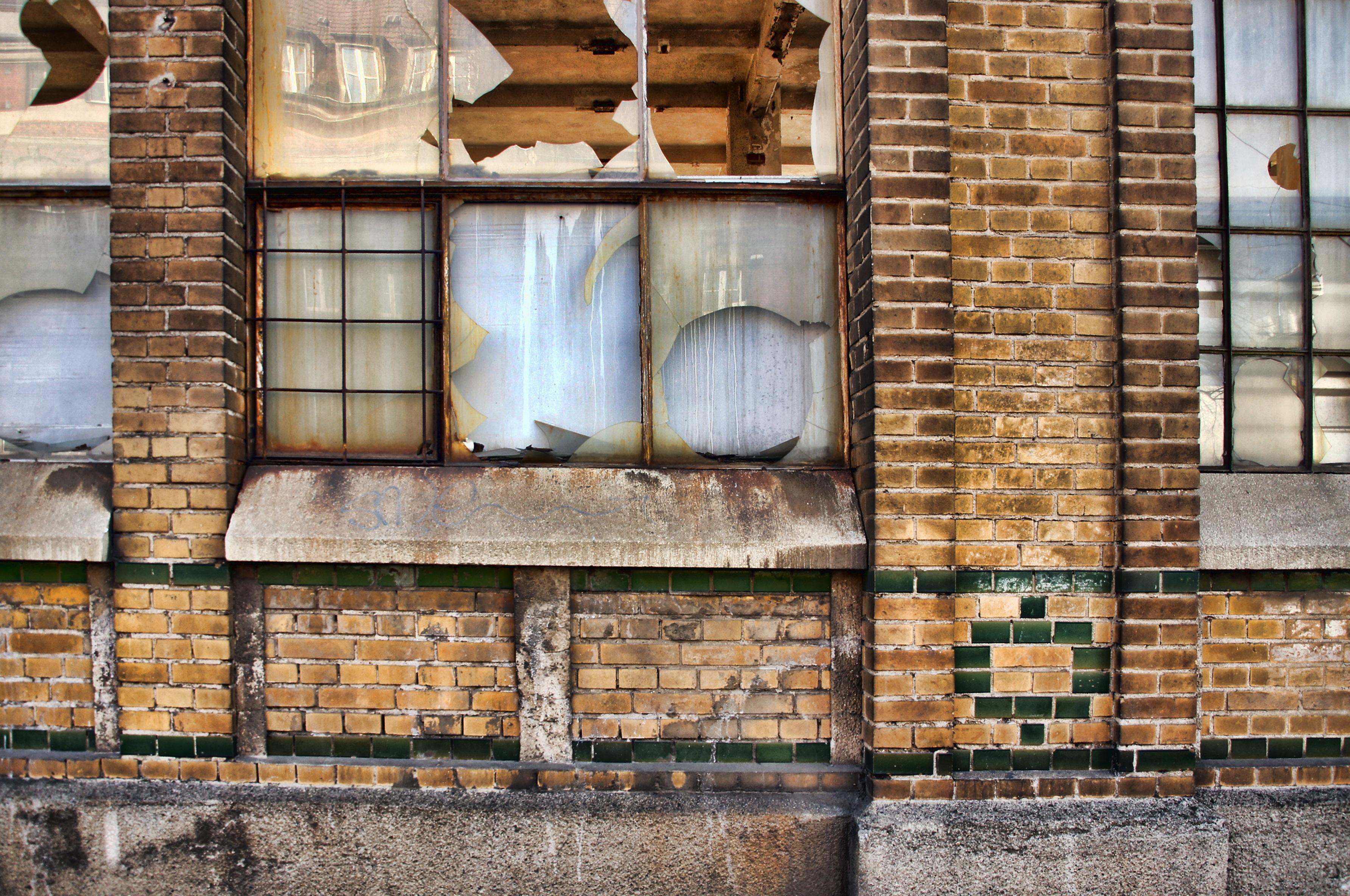 arquitectura madera casa ventana casa pared piedra fachada decaer edificio viejo ladrillo material diseño de interiores