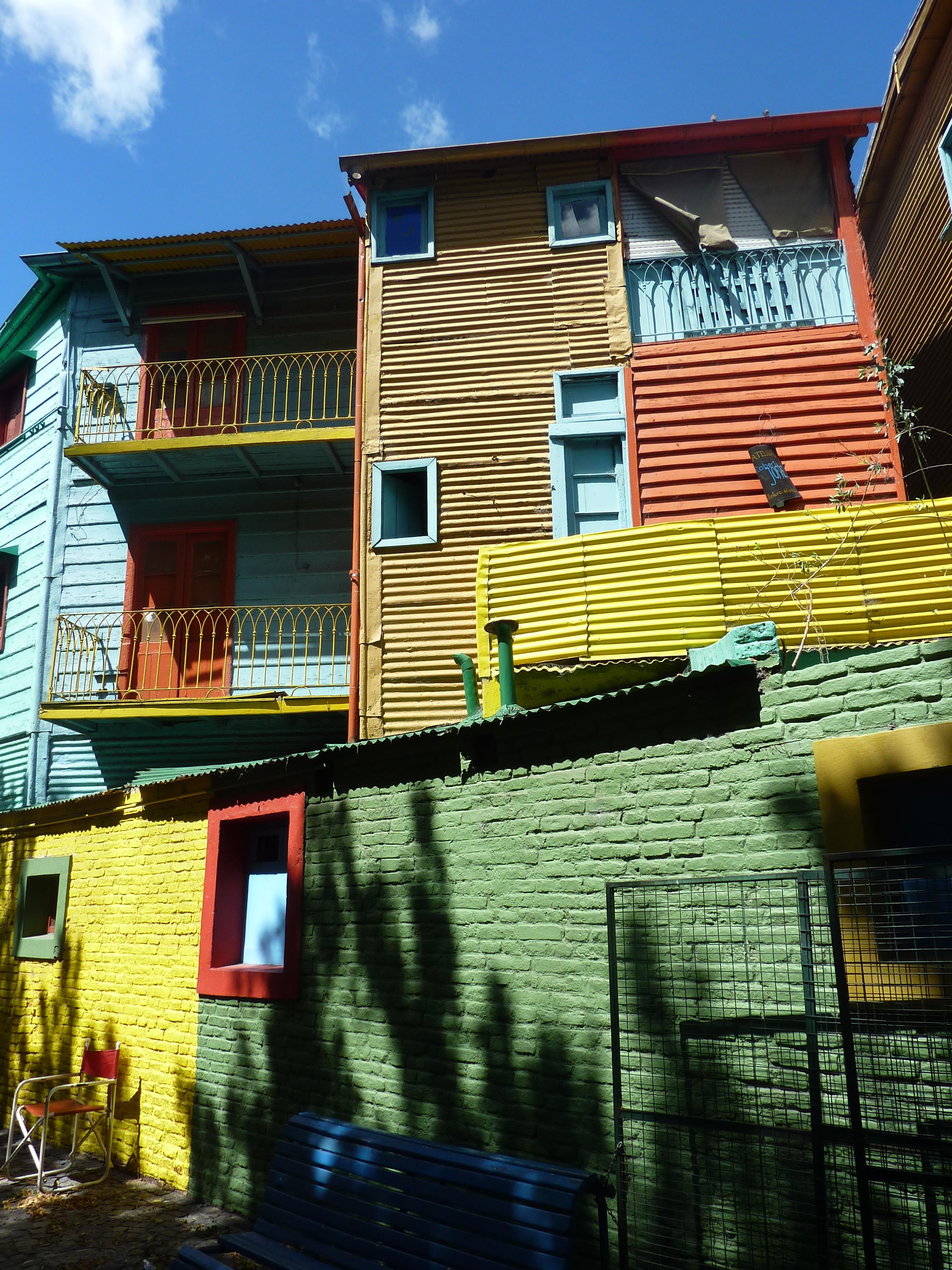Fotos gratis arquitectura madera casa ventana pueblo for Fabrica de ventanas de madera en buenos aires