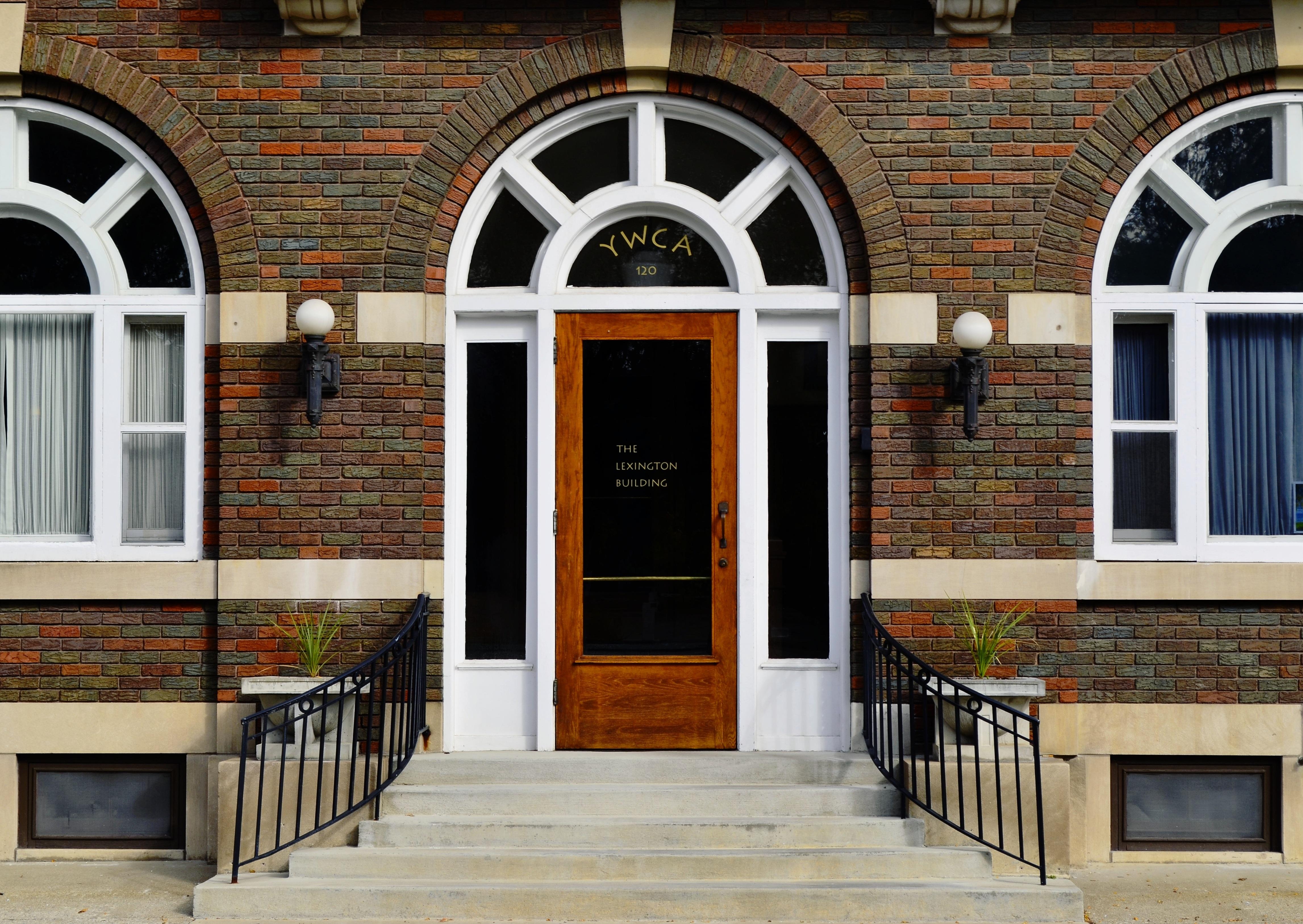 Fotos gratis arquitectura madera palacio edificio for Puertas para patio exterior