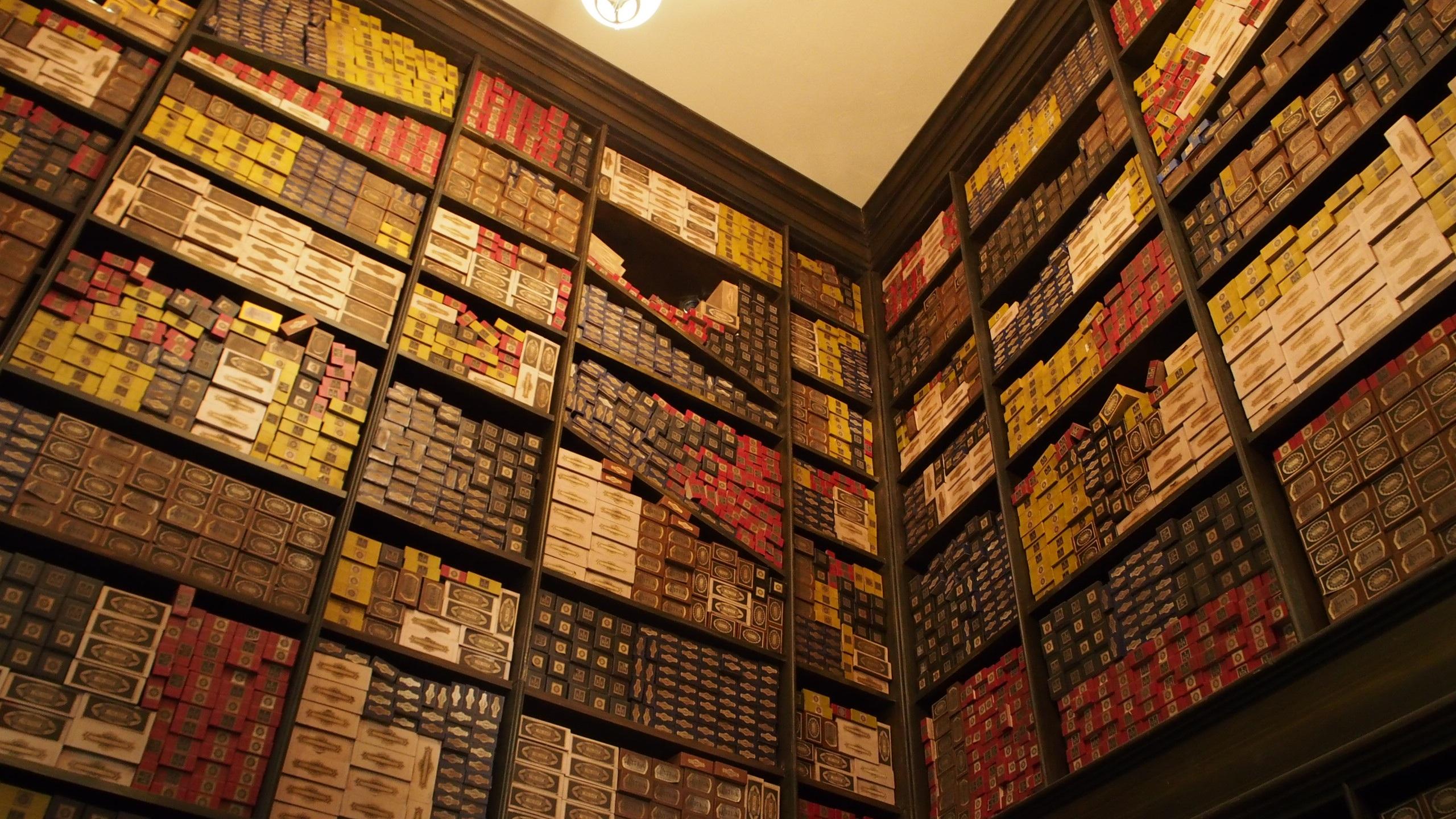 Architecture Wood Retro Wall Color Japan Brick Bookshelf Harry Potter Interior Design Symmetry Osaka Wand