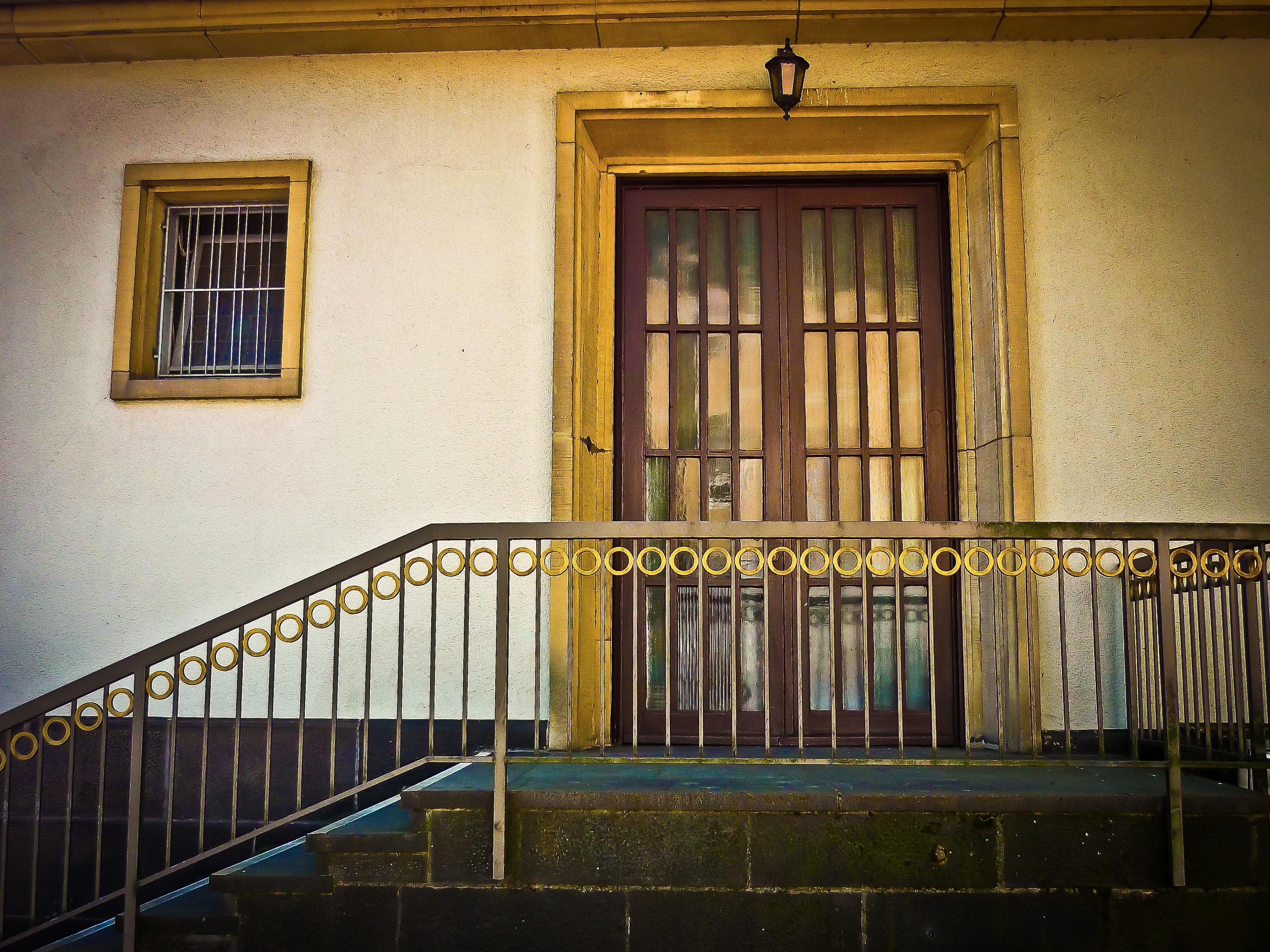 Images gratuites architecture bois cru fen tre for Balcon facade maison
