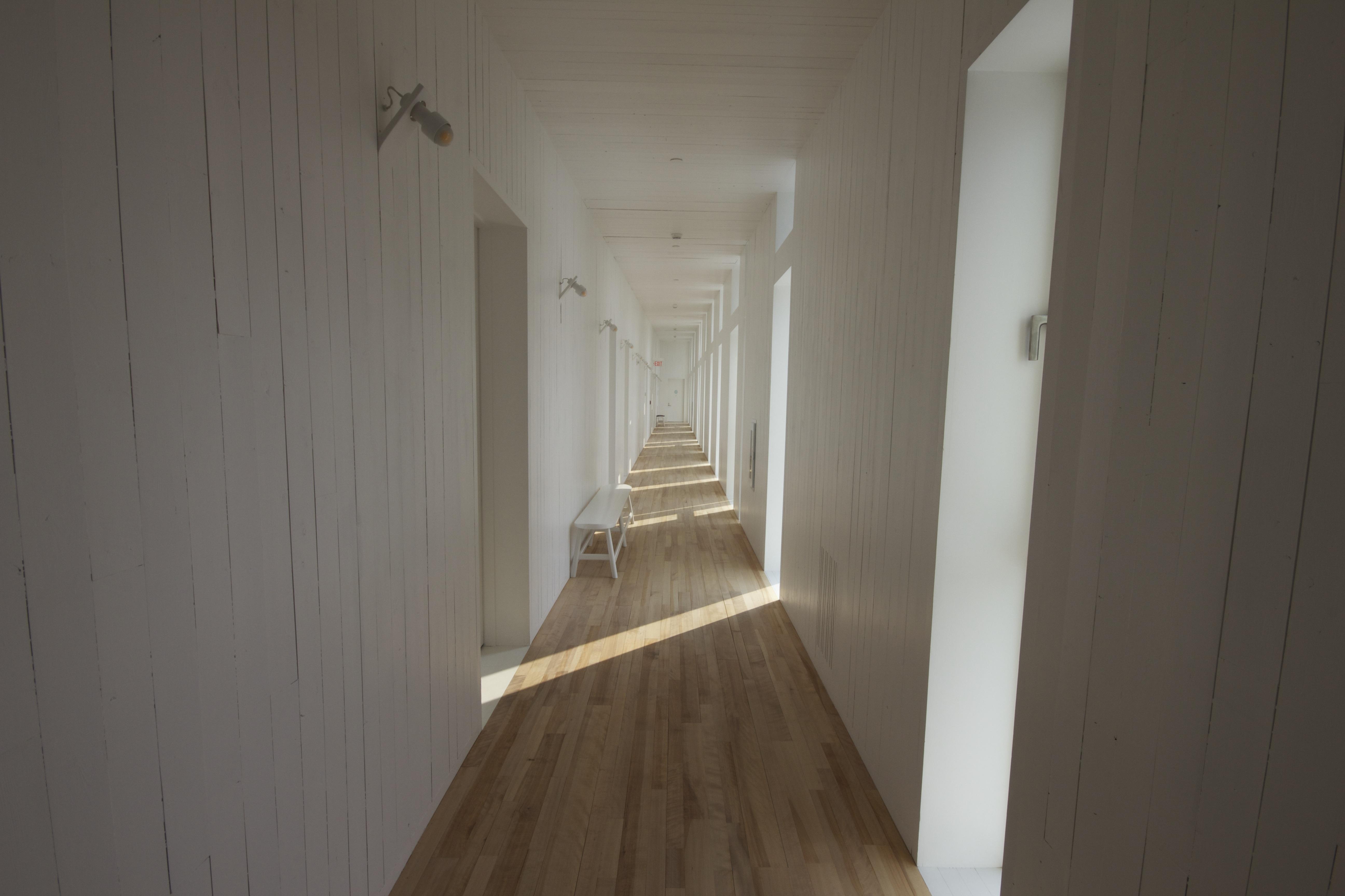 Images Gratuites : architecture, bois, blanc, banc, maison, sol ...