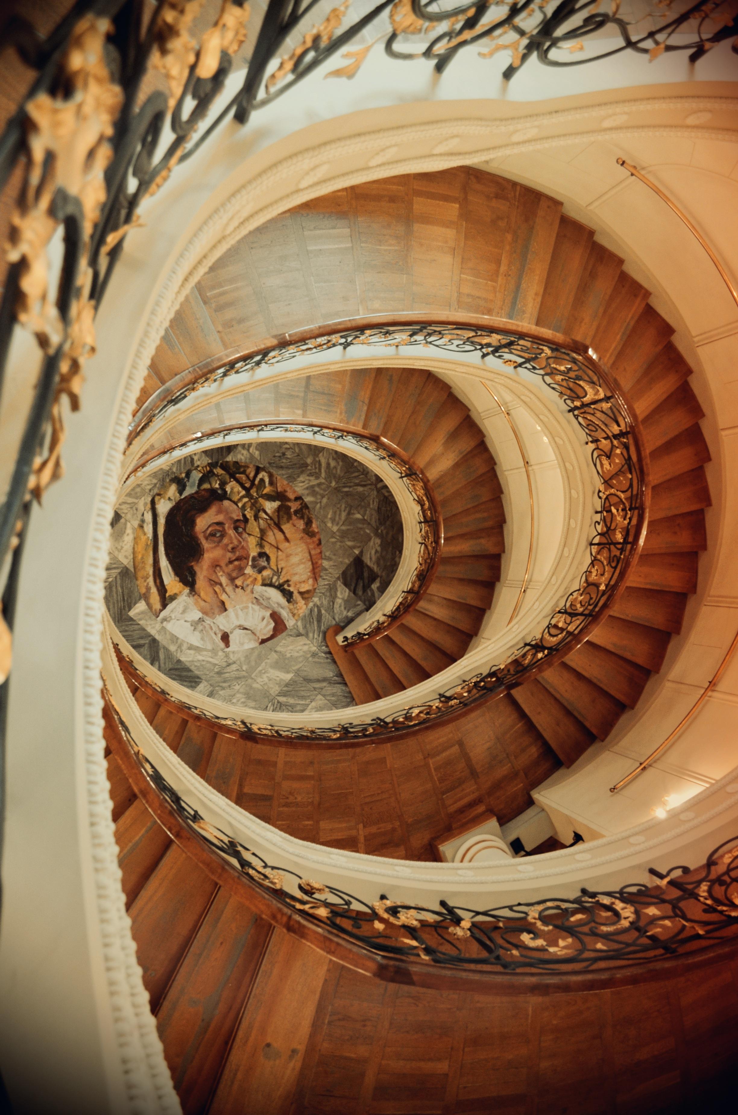 fotos gratis madera blanco fotografa espiral ventana perspectiva edificio antiguo arco barandilla geometra nostalgia escalera