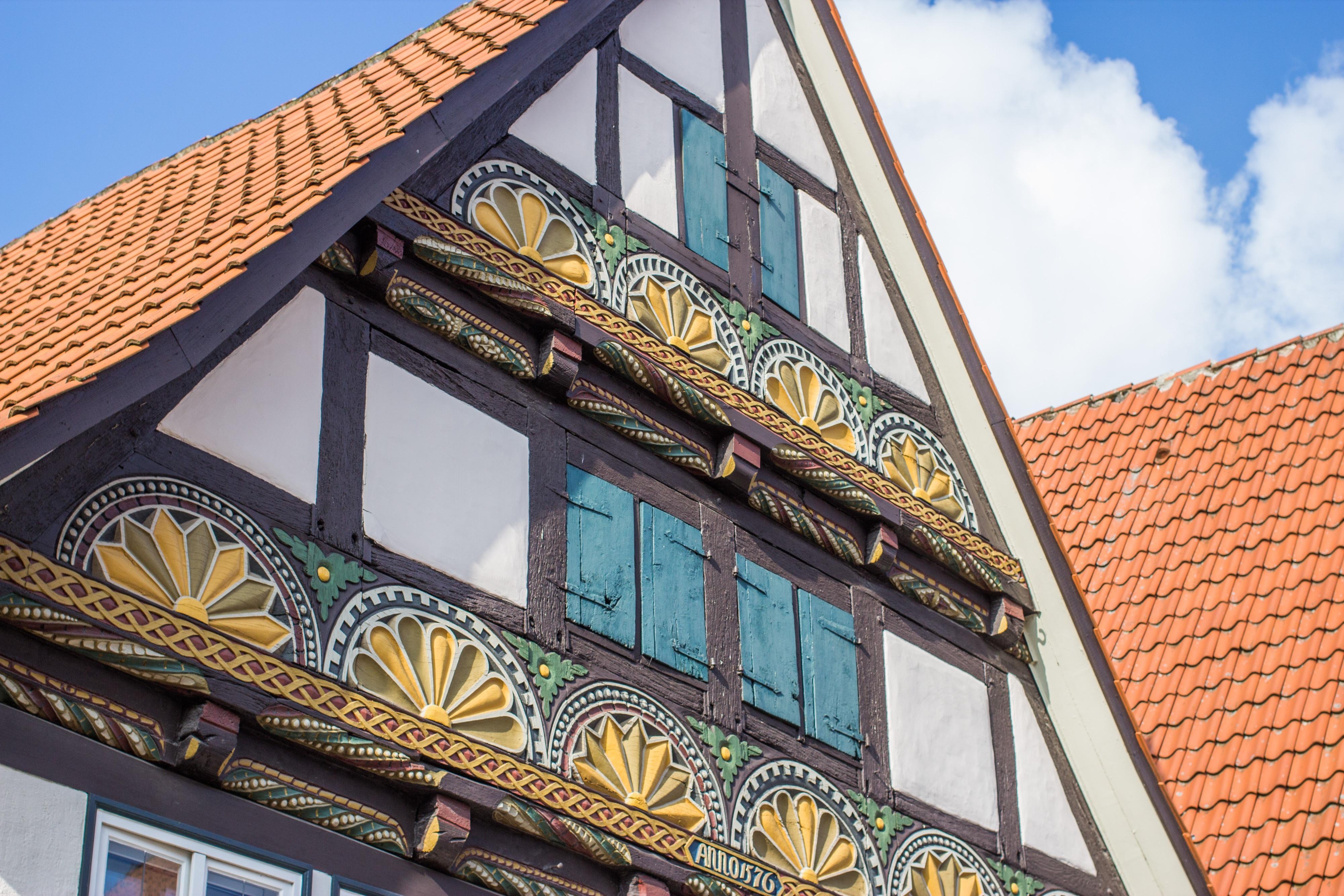 images gratuites architecture fen tre toit b timent maison bar balcon point de rep re. Black Bedroom Furniture Sets. Home Design Ideas