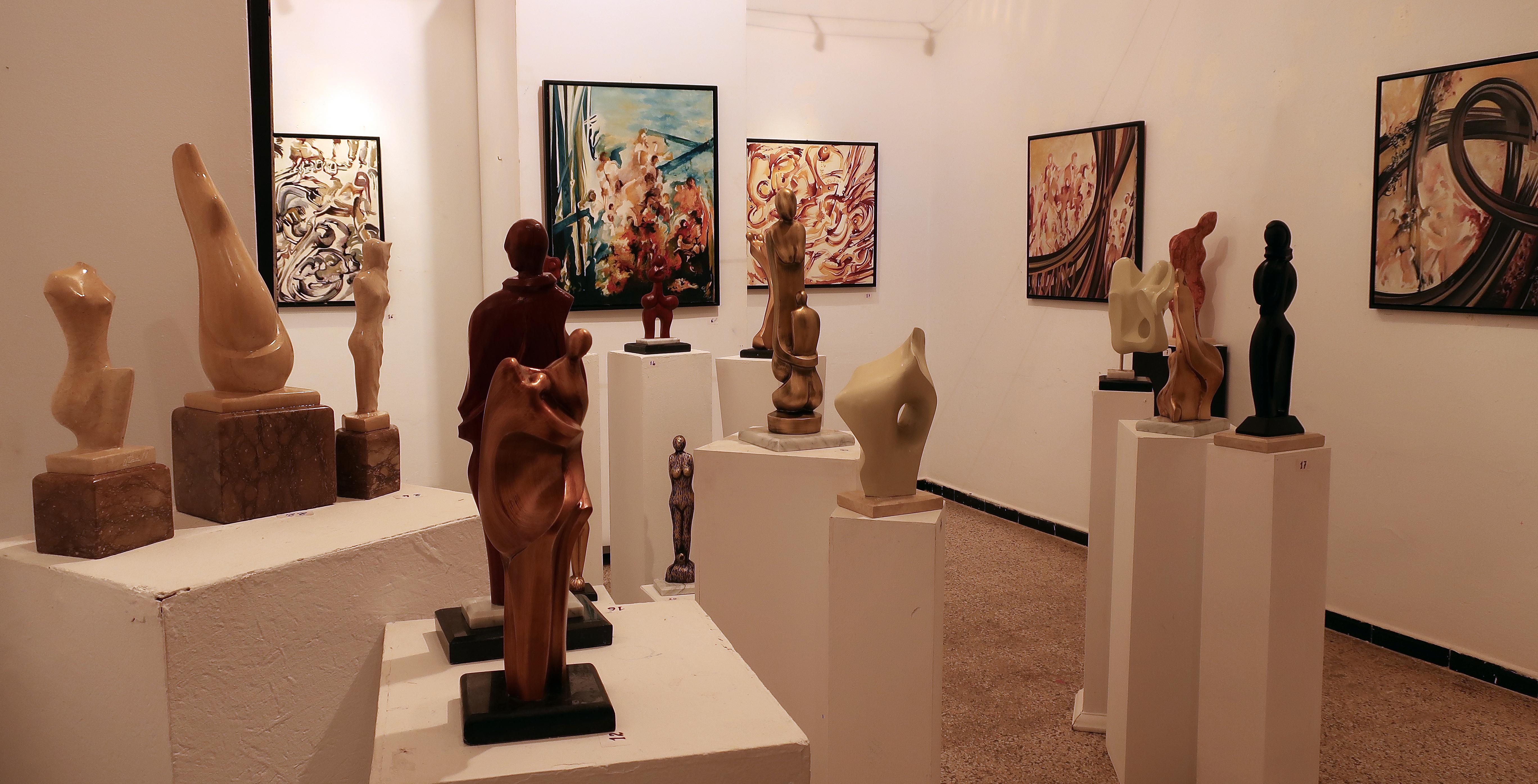 Kunst Kunstausstellung Ausstellung Kunstgalerie Moderne Kunst Museum  Touristenattraktion Sammlung Kunsthändler